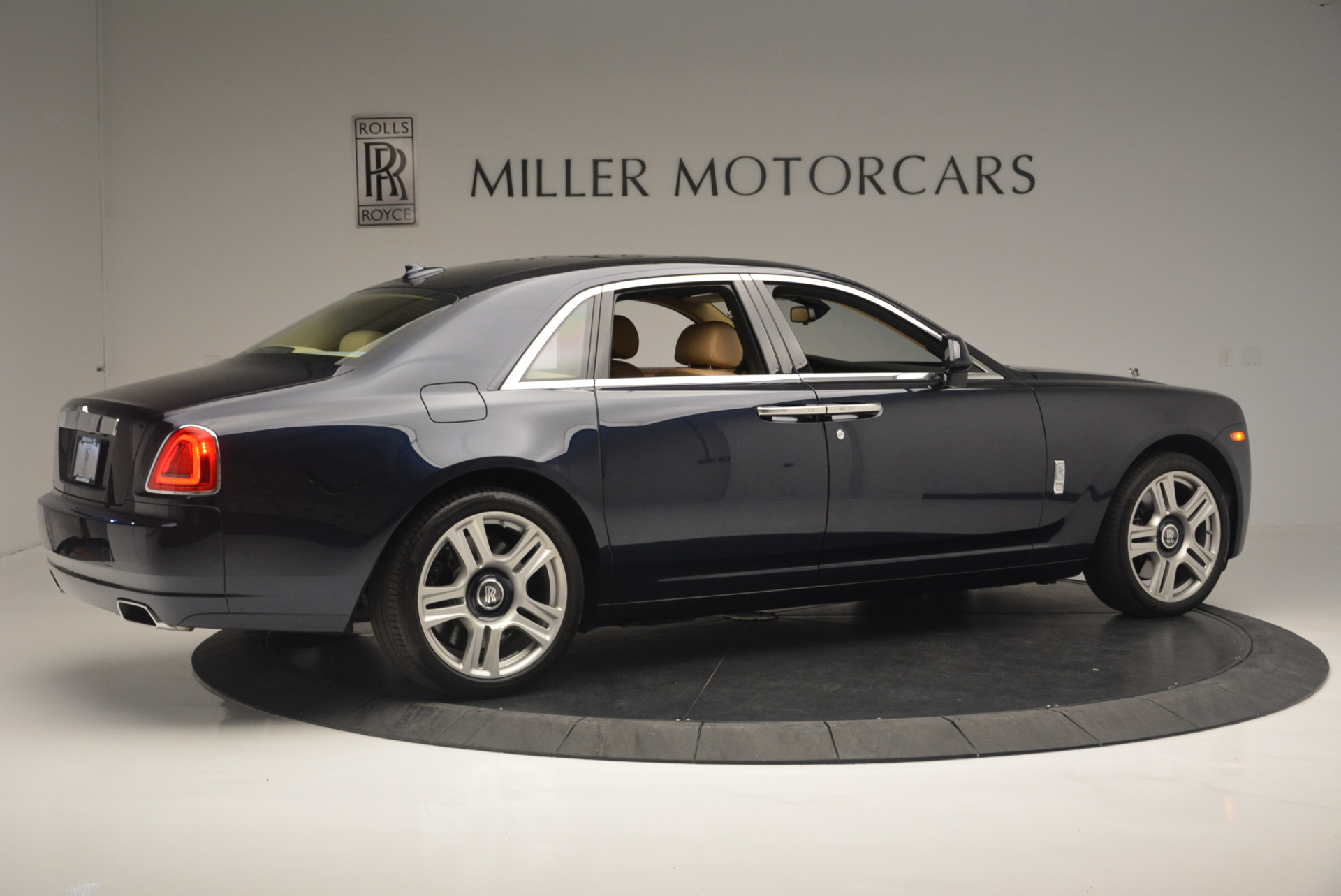 Used 2015 Rolls-Royce Ghost  For Sale In Greenwich, CT 2297_p8