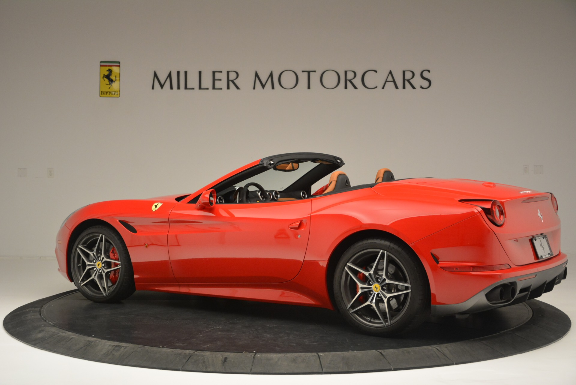 Used 2016 Ferrari California T Handling Speciale For Sale In Greenwich, CT 2298_p4