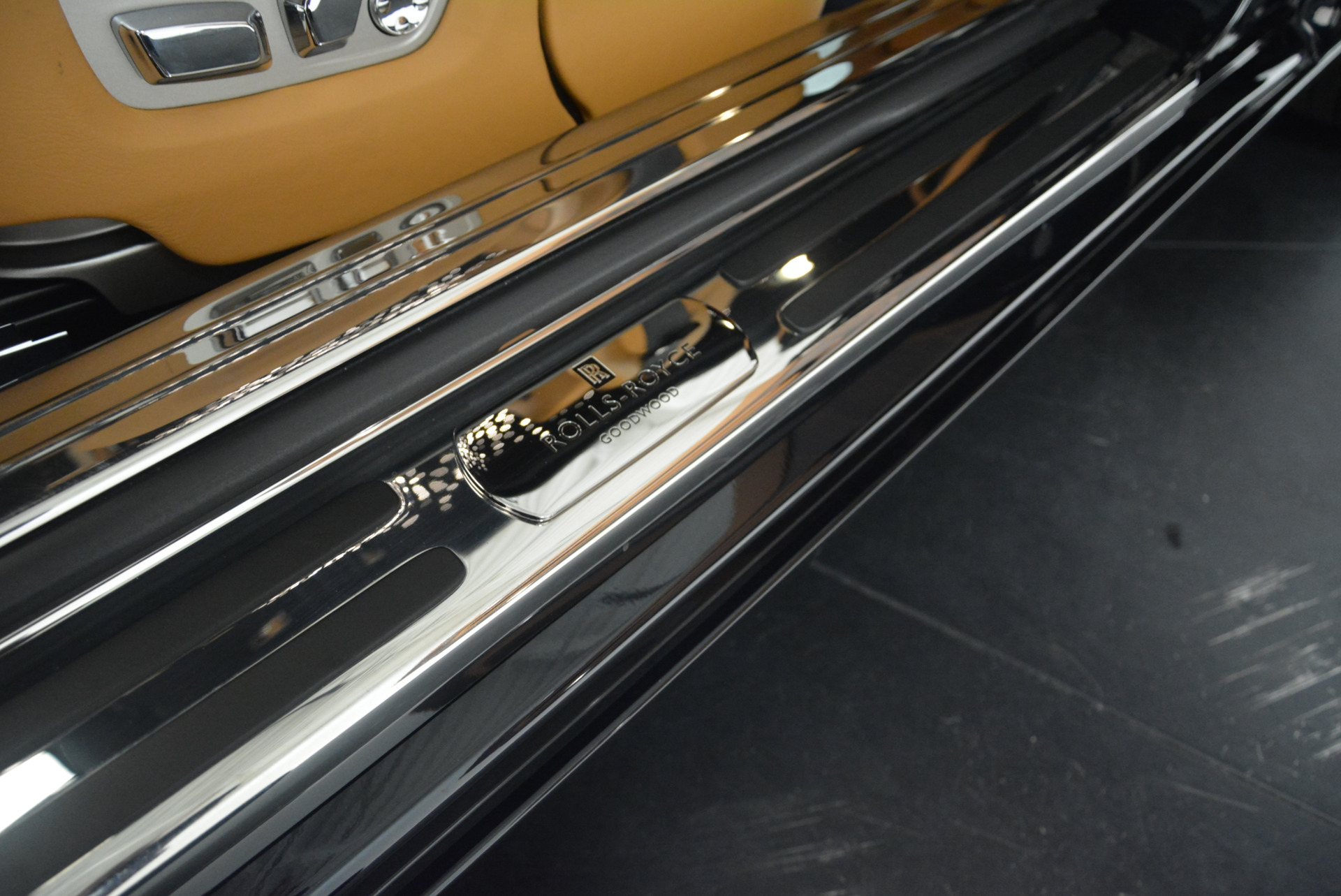 Used 2014 Rolls-Royce Wraith  For Sale In Greenwich, CT 2305_p16