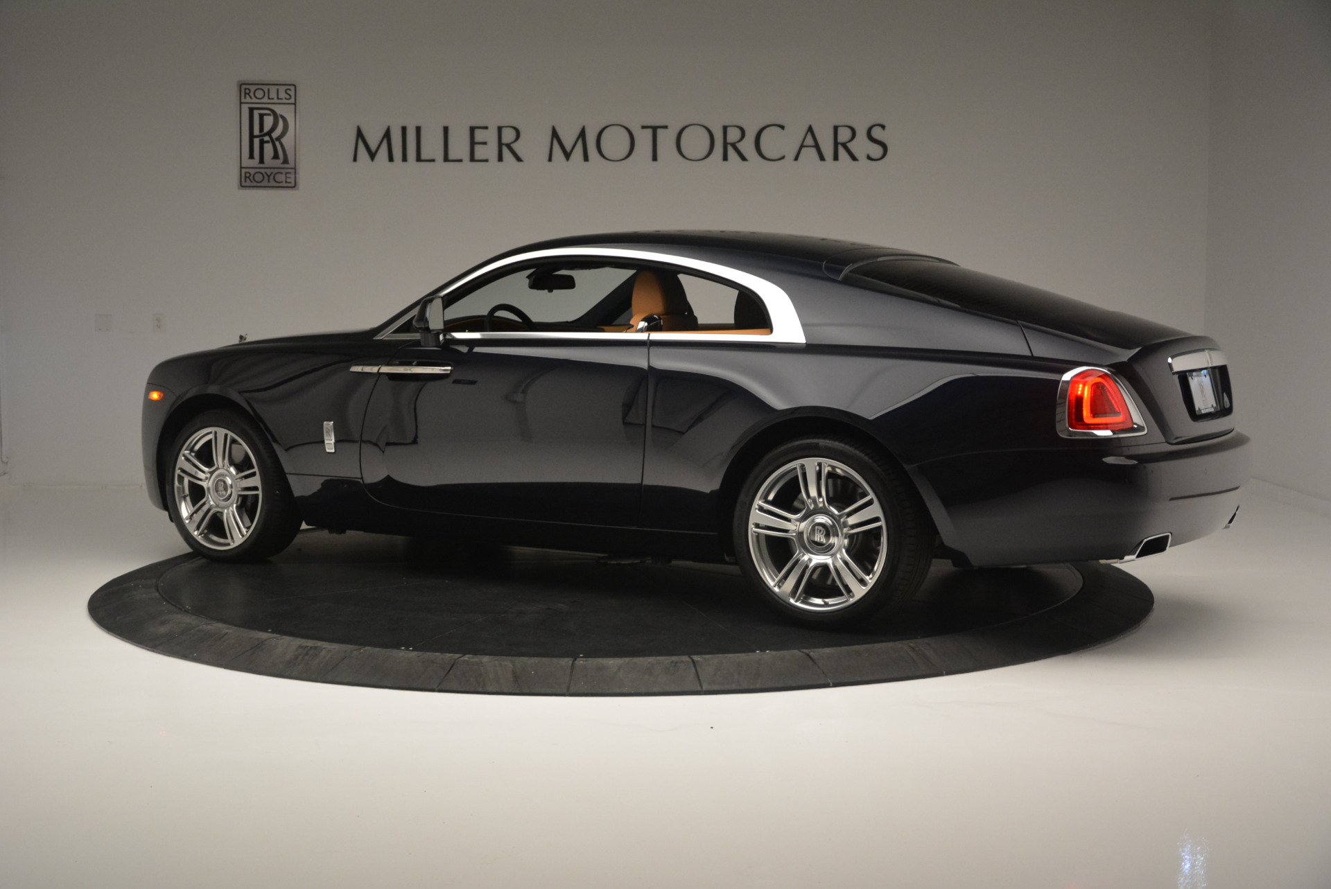 Used 2014 Rolls-Royce Wraith  For Sale In Greenwich, CT 2305_p4
