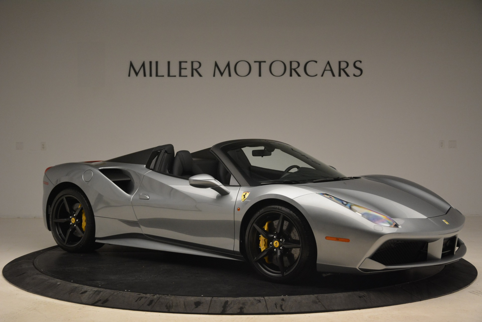 Used 2018 Ferrari 488 Spider  For Sale In Greenwich, CT 2306_p10