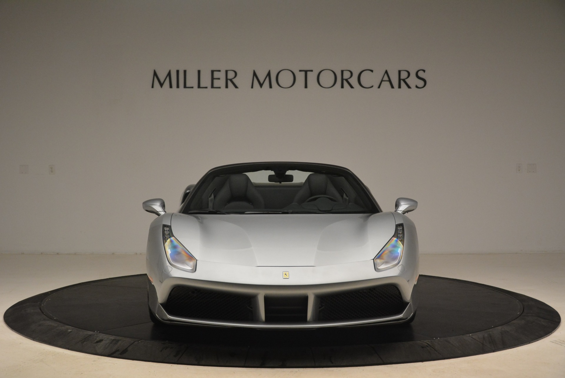 Used 2018 Ferrari 488 Spider  For Sale In Greenwich, CT 2306_p12