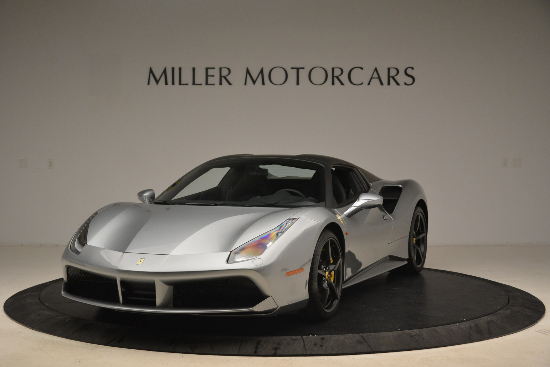 Used 2018 Ferrari 488 Spider  For Sale In Greenwich, CT 2306_p13