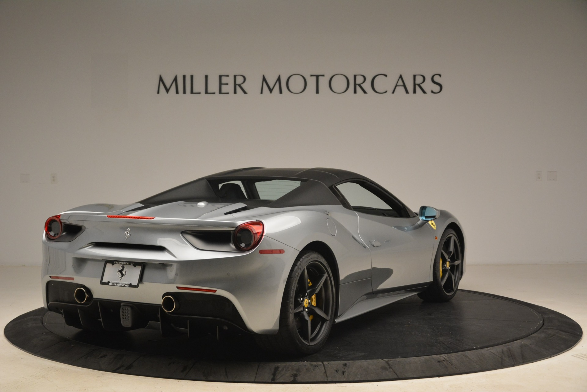 Used 2018 Ferrari 488 Spider  For Sale In Greenwich, CT 2306_p19