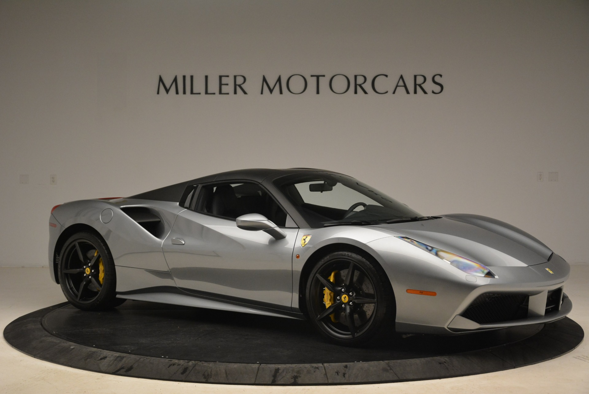 Used 2018 Ferrari 488 Spider  For Sale In Greenwich, CT 2306_p22