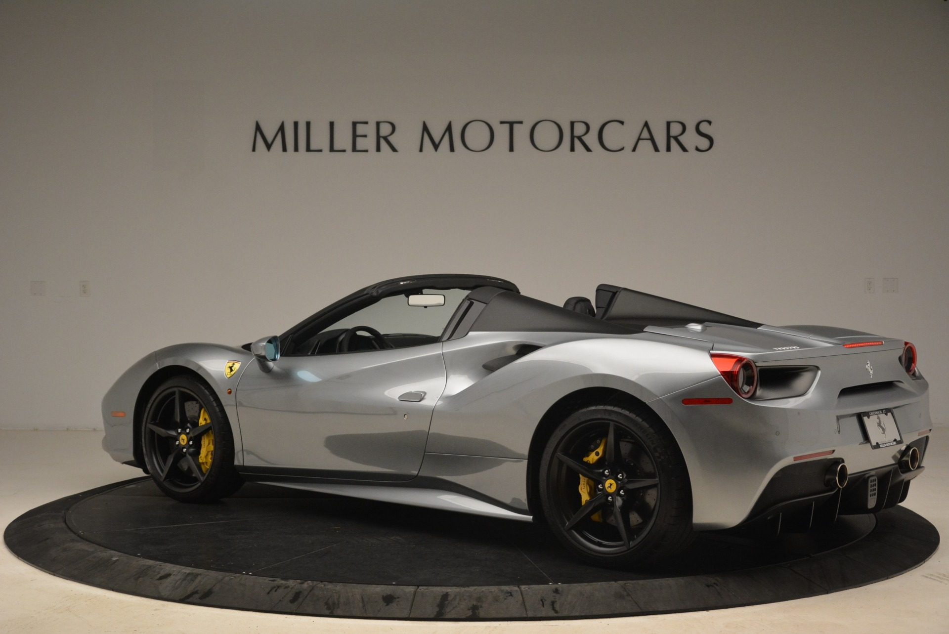 Used 2018 Ferrari 488 Spider  For Sale In Greenwich, CT 2306_p4