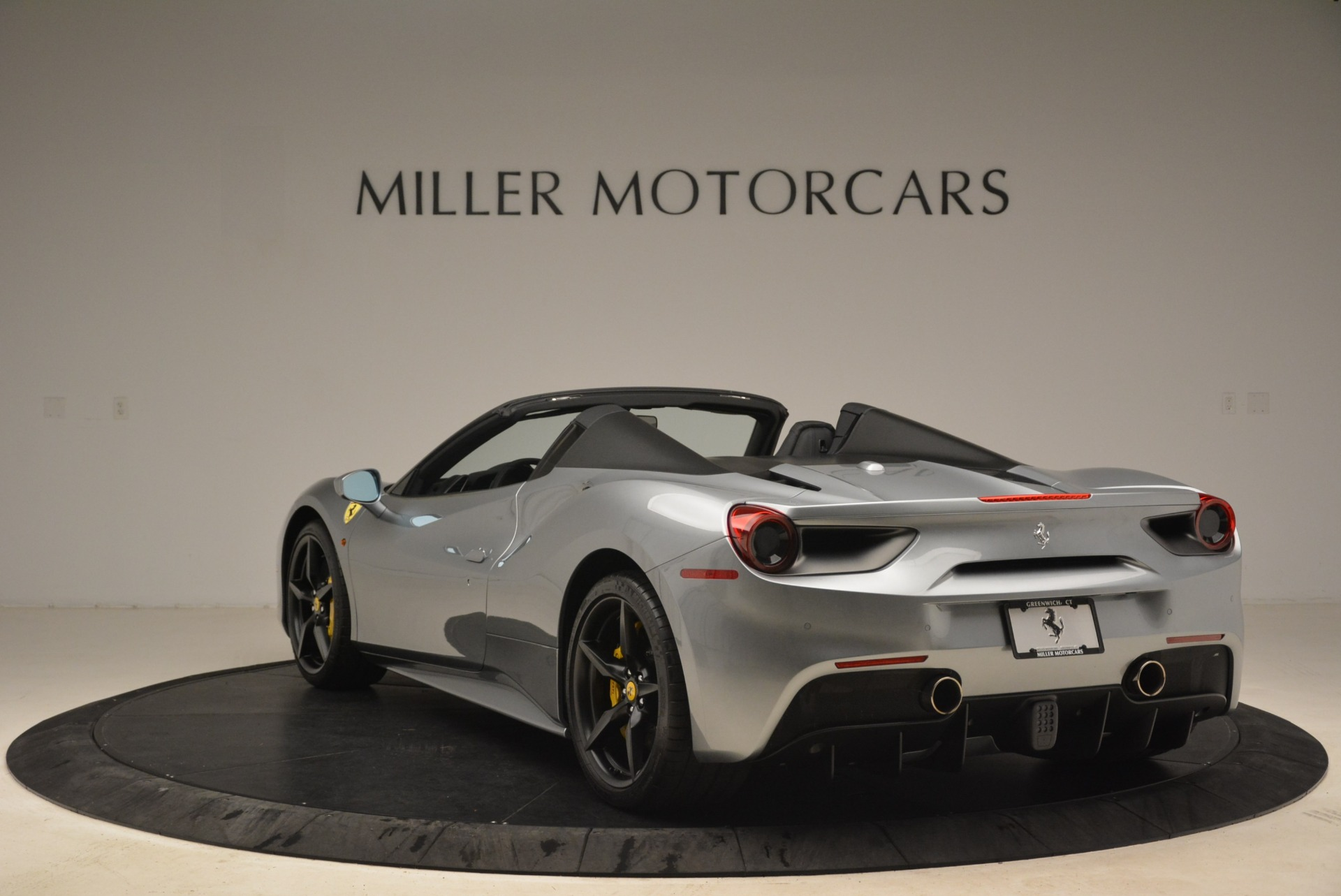 Used 2018 Ferrari 488 Spider  For Sale In Greenwich, CT 2306_p5