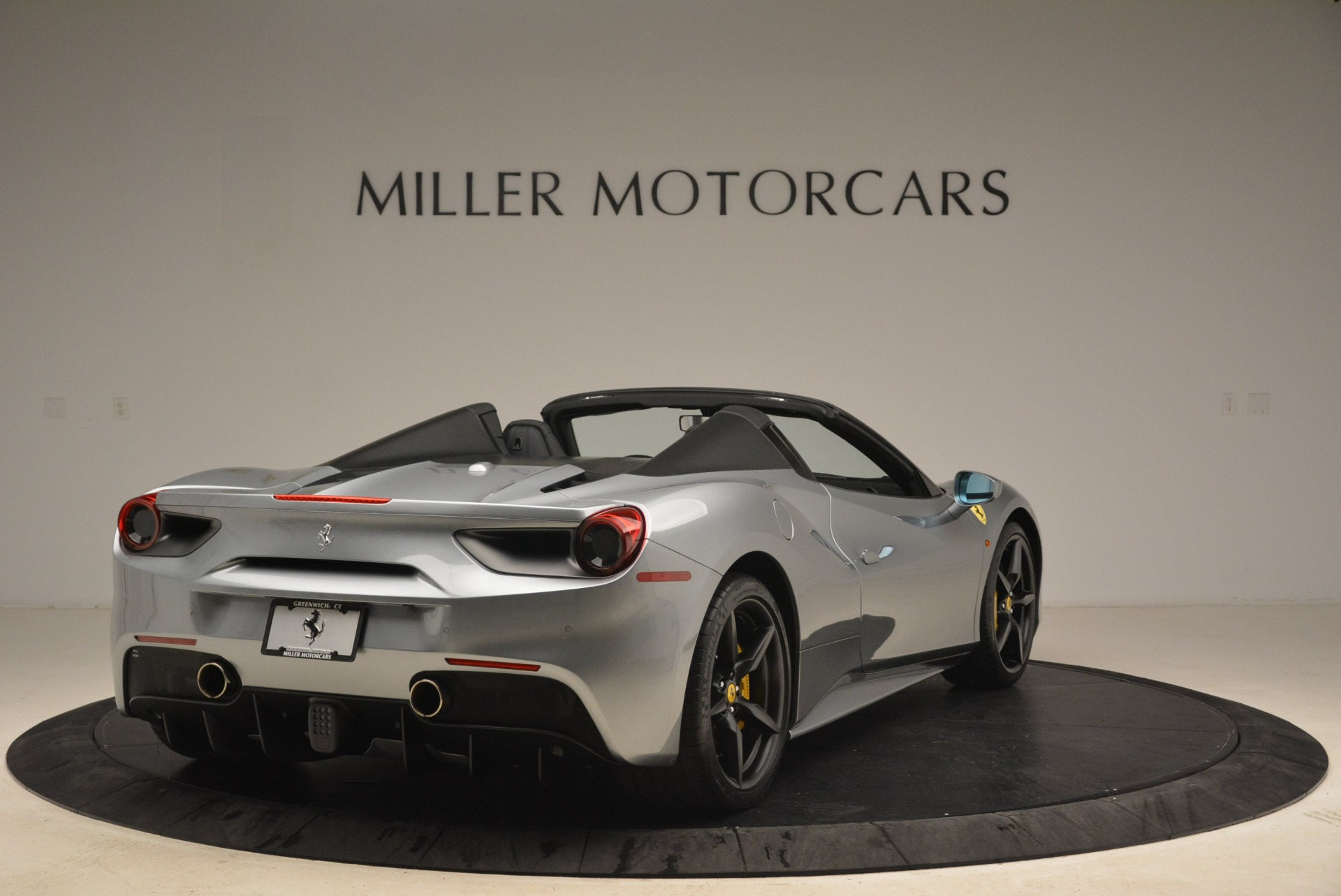 Used 2018 Ferrari 488 Spider  For Sale In Greenwich, CT 2306_p7