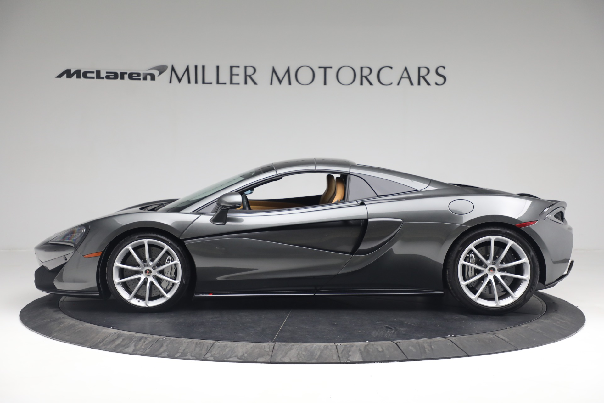 Used 2018 McLaren 570S Spider For Sale In Greenwich, CT 2308_p17