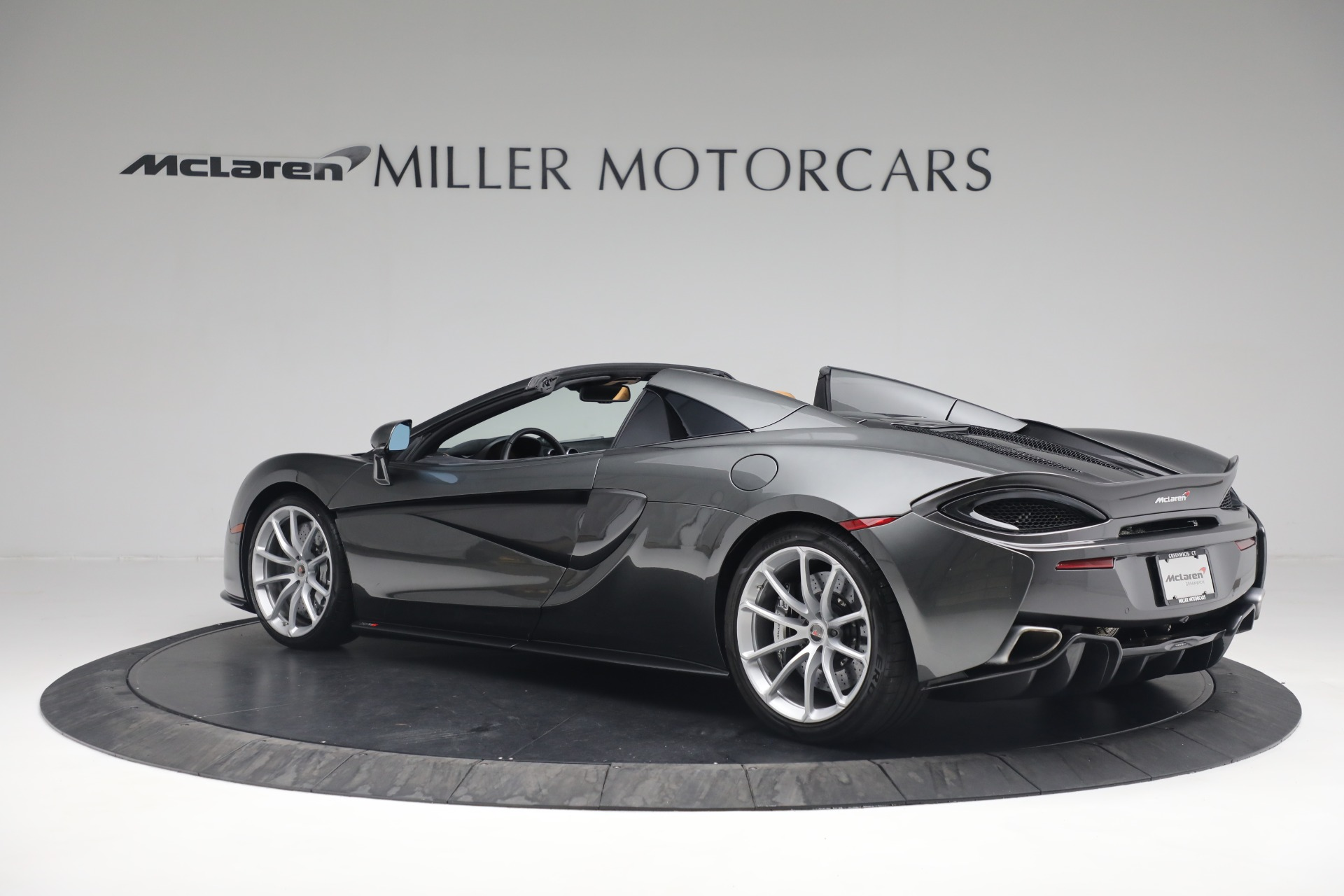 Used 2018 McLaren 570S Spider For Sale In Greenwich, CT 2308_p4