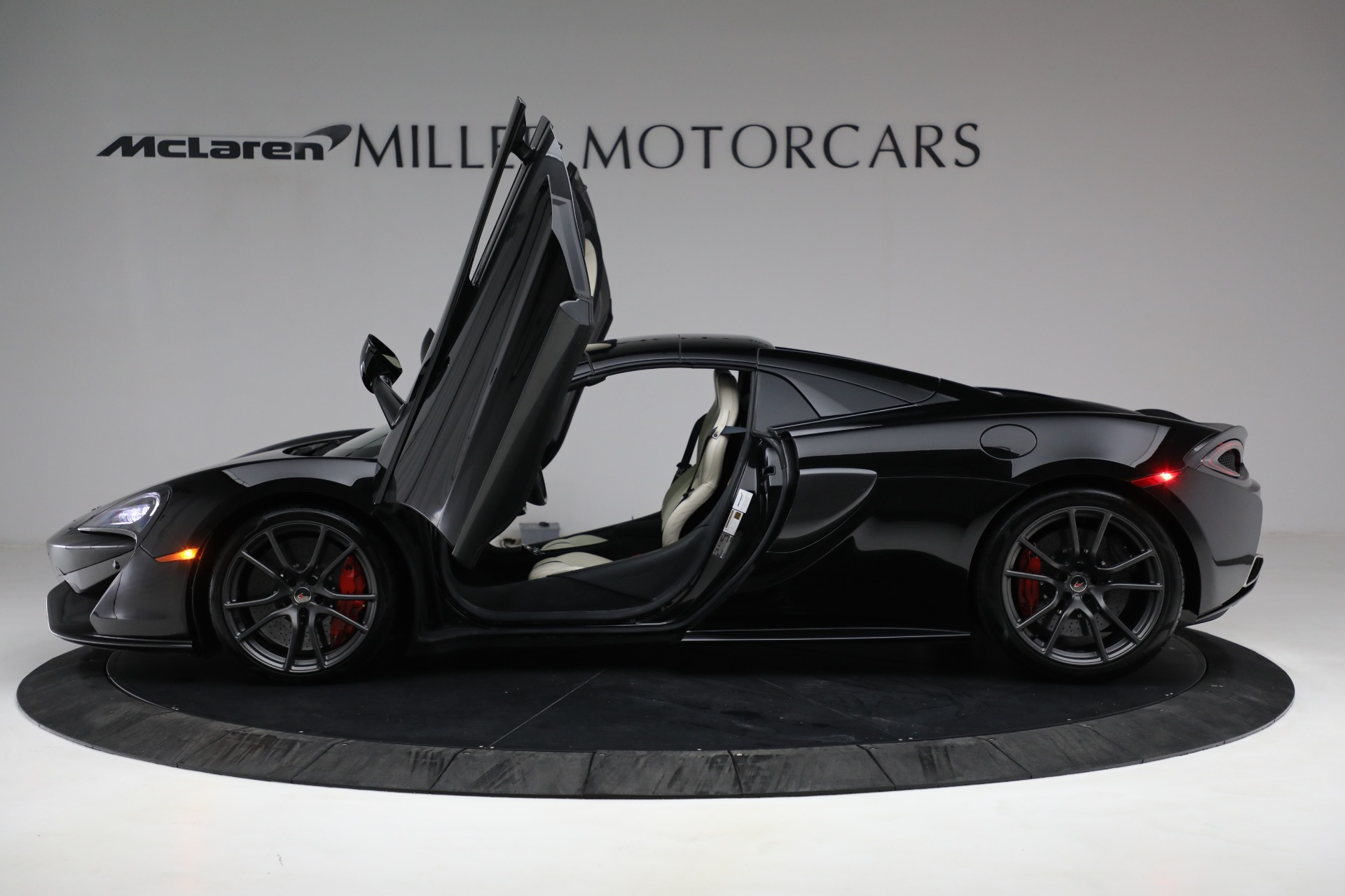 New 2018 McLaren 570S Spider For Sale In Greenwich, CT 2312_p23