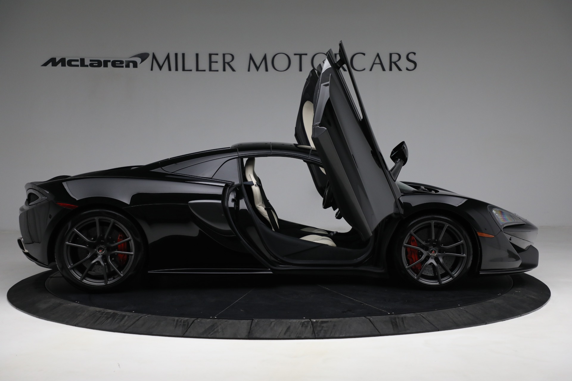 New 2018 McLaren 570S Spider For Sale In Greenwich, CT 2312_p27