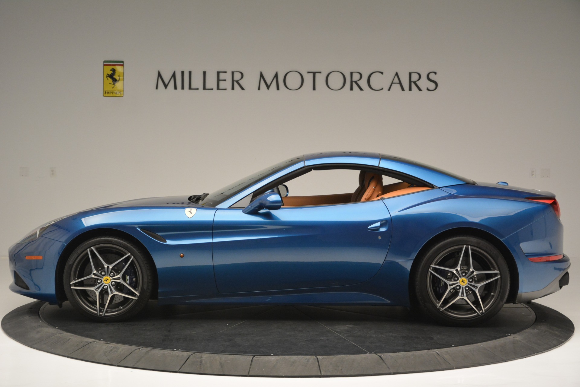 Used 2017 Ferrari California T Handling Speciale For Sale In Greenwich, CT 2313_p15