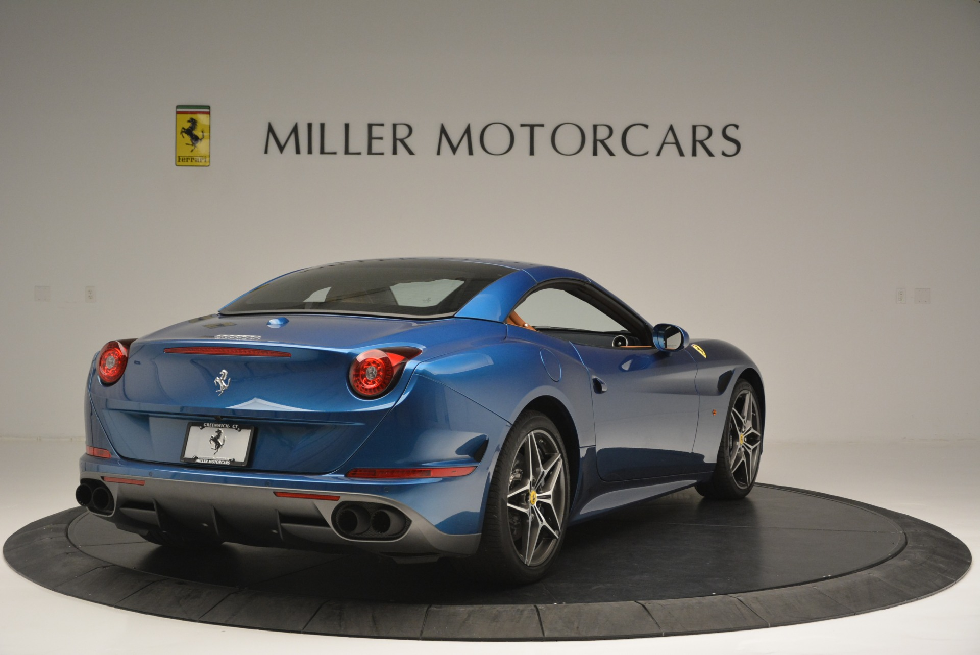 Used 2017 Ferrari California T Handling Speciale For Sale In Greenwich, CT 2313_p19