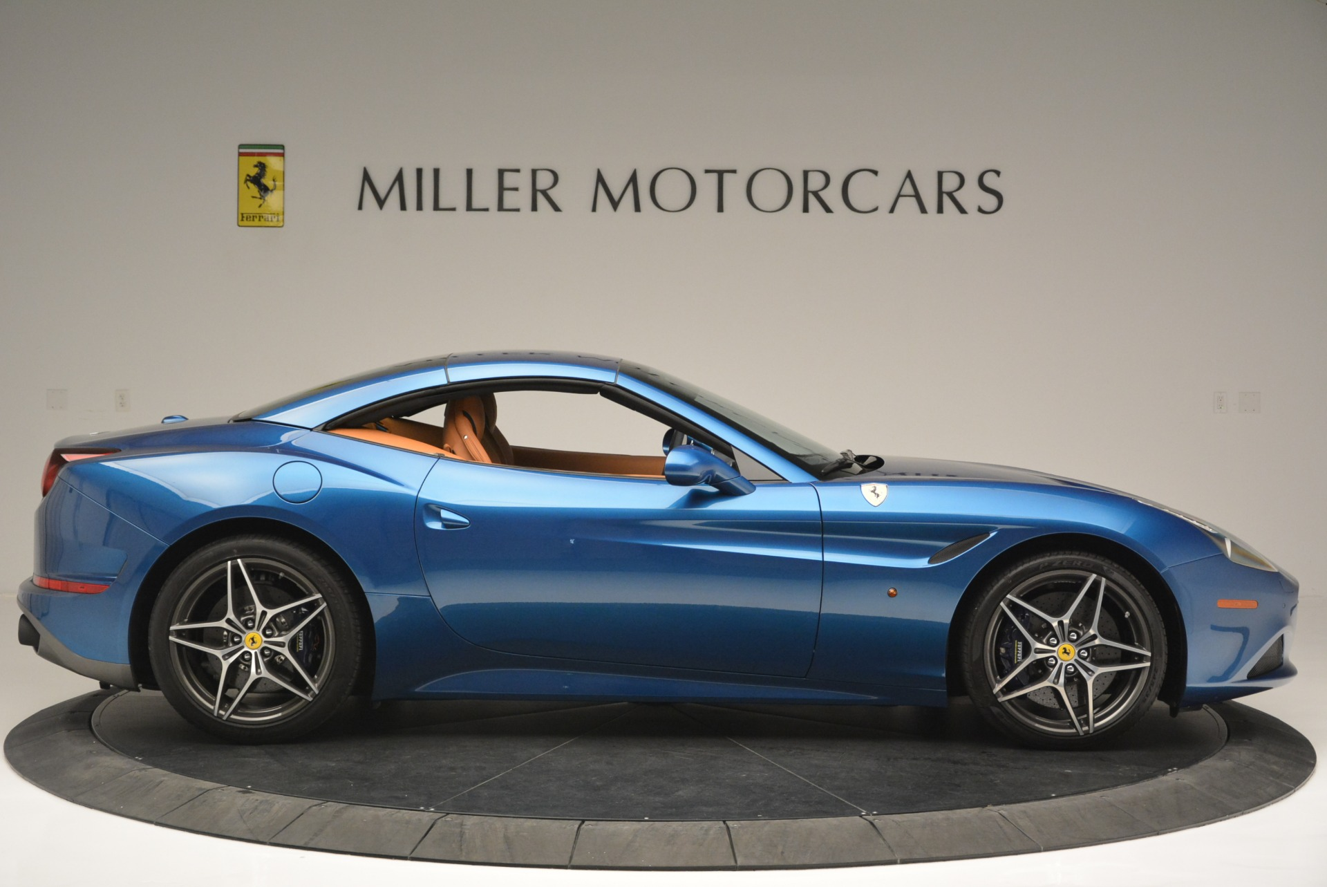 Used 2017 Ferrari California T Handling Speciale For Sale In Greenwich, CT 2313_p21
