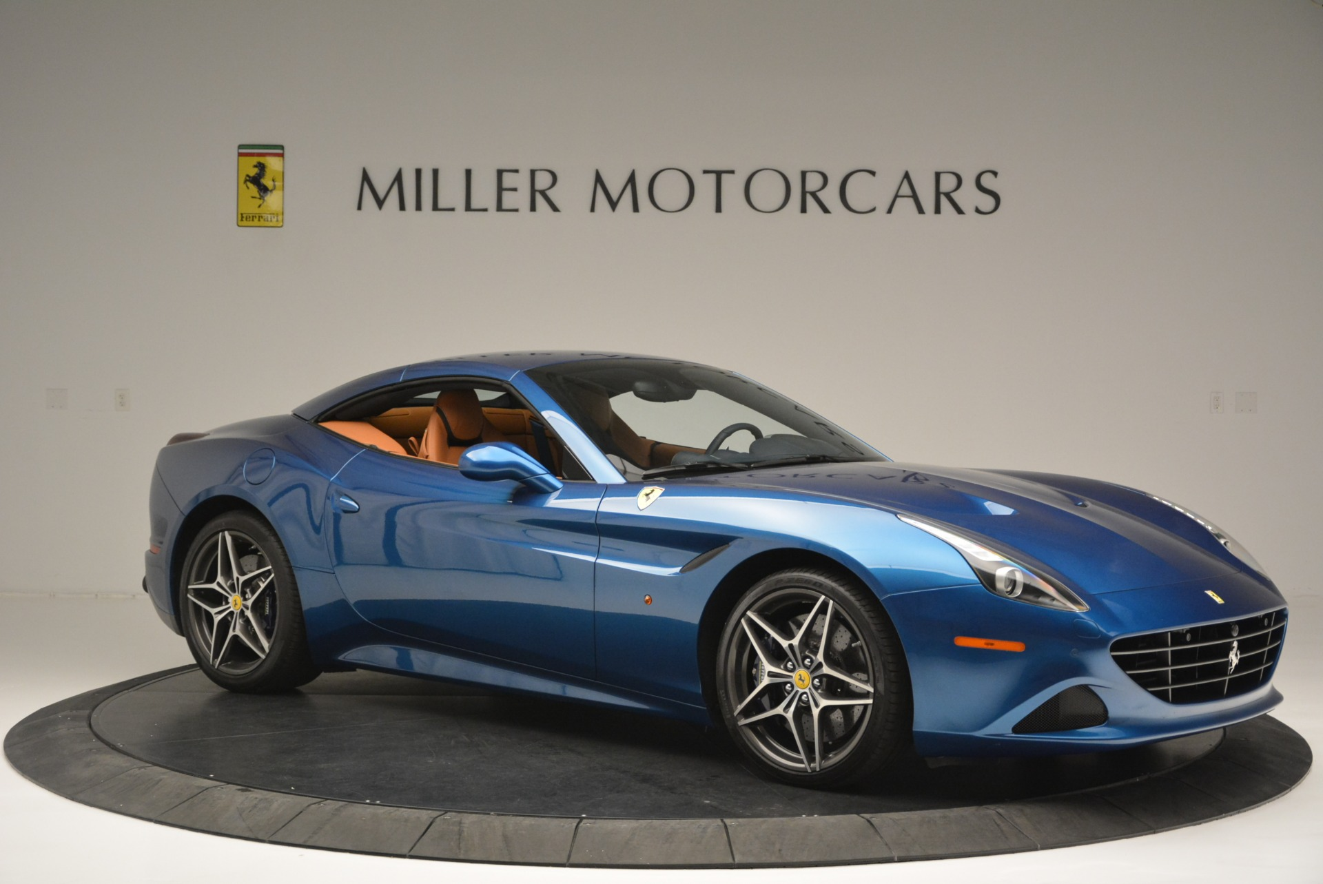 Used 2017 Ferrari California T Handling Speciale For Sale In Greenwich, CT 2313_p22