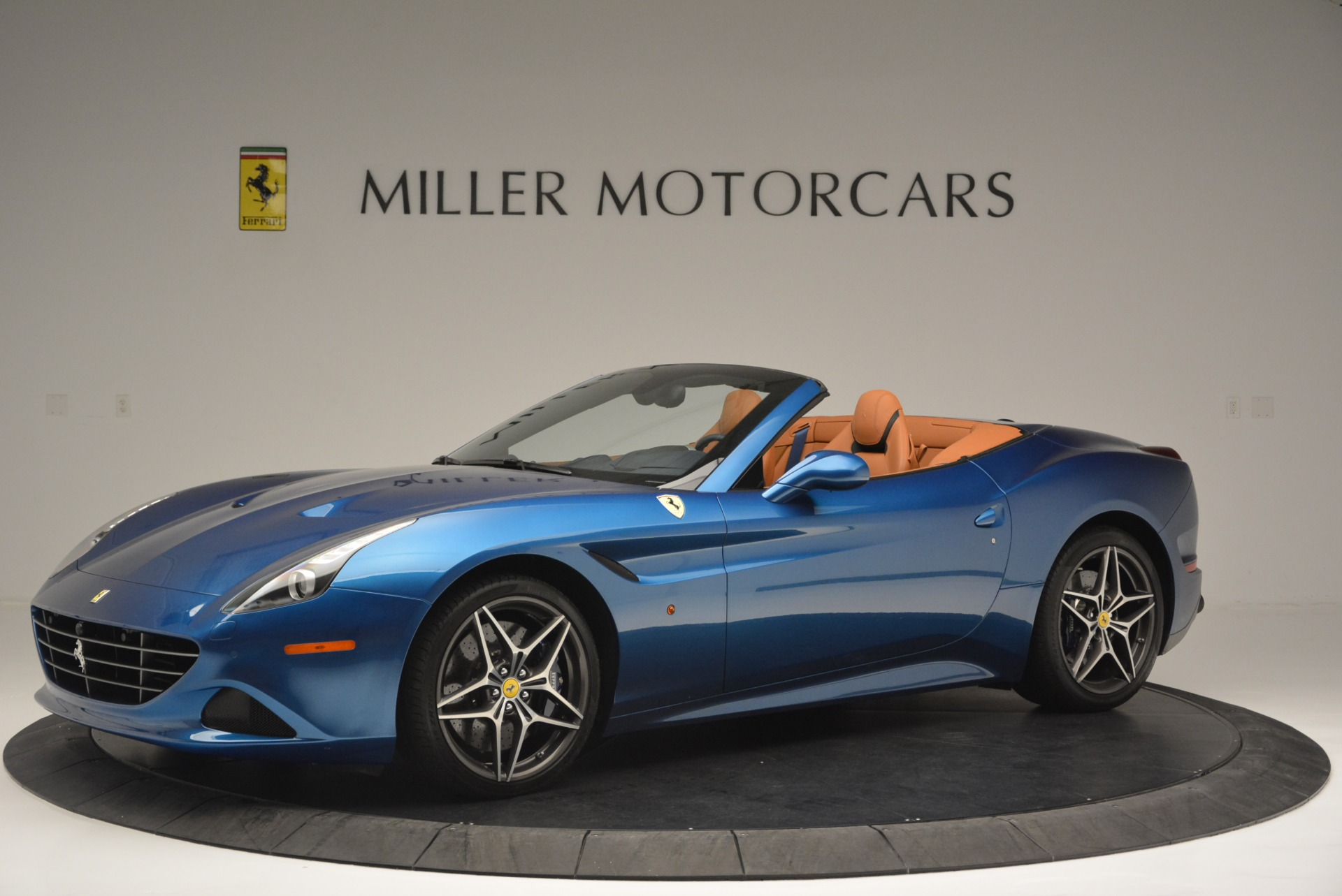 Used 2017 Ferrari California T Handling Speciale For Sale In Greenwich, CT 2313_p2