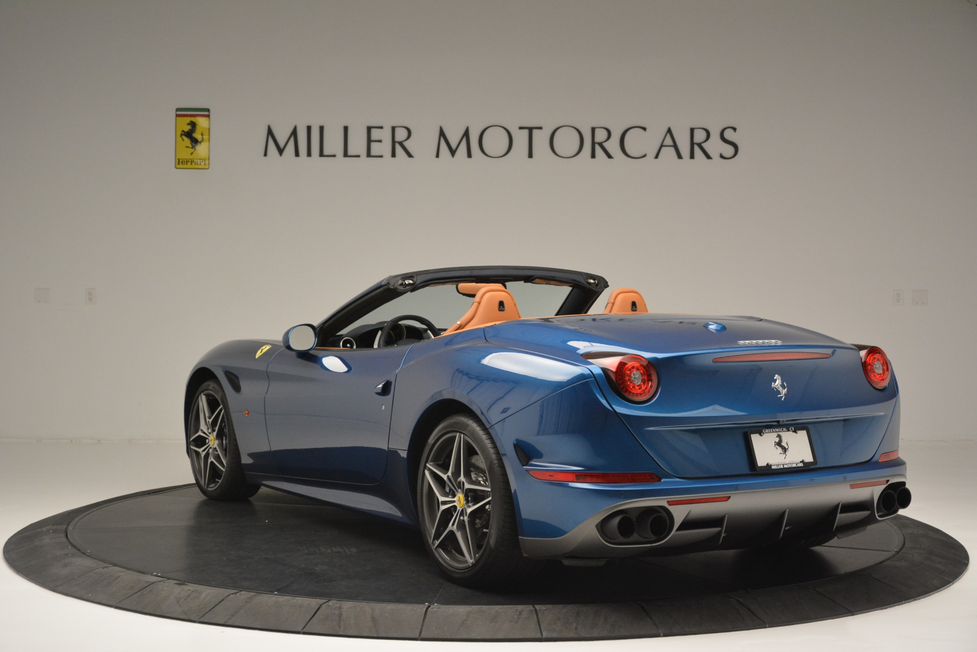 Used 2017 Ferrari California T Handling Speciale For Sale In Greenwich, CT 2313_p5