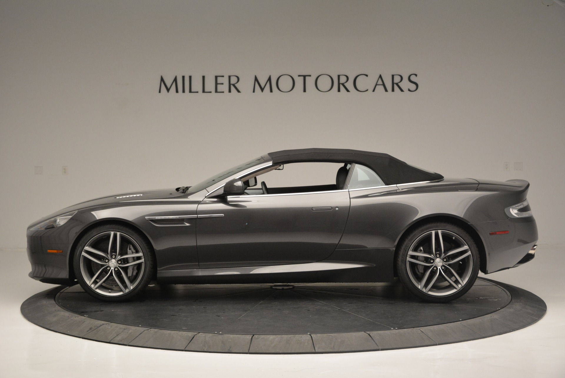 Used 2014 Aston Martin DB9 Volante For Sale In Greenwich, CT 2319_p15