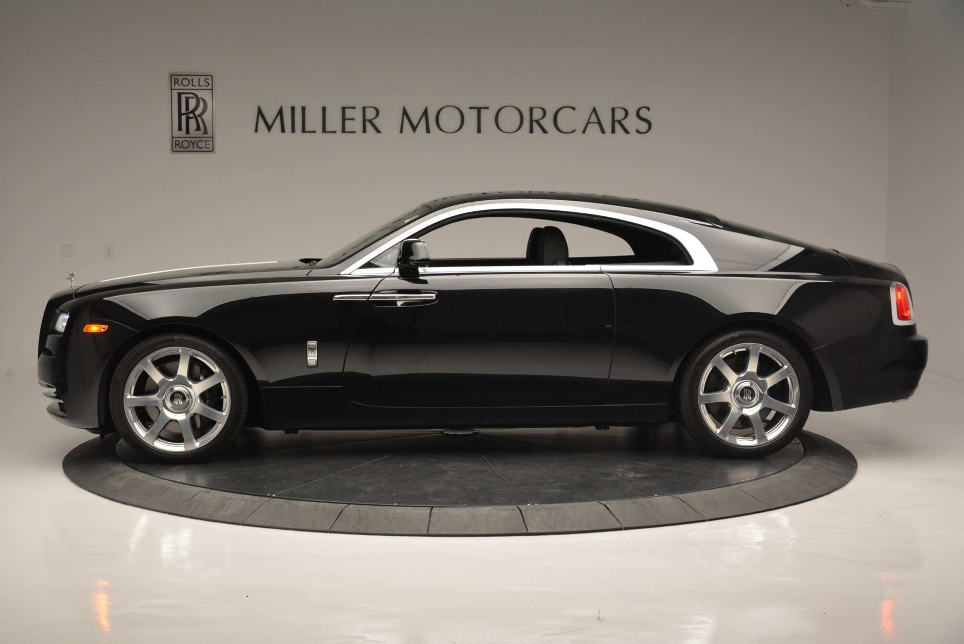 Used 2015 Rolls-Royce Wraith  For Sale In Greenwich, CT 2335_p2