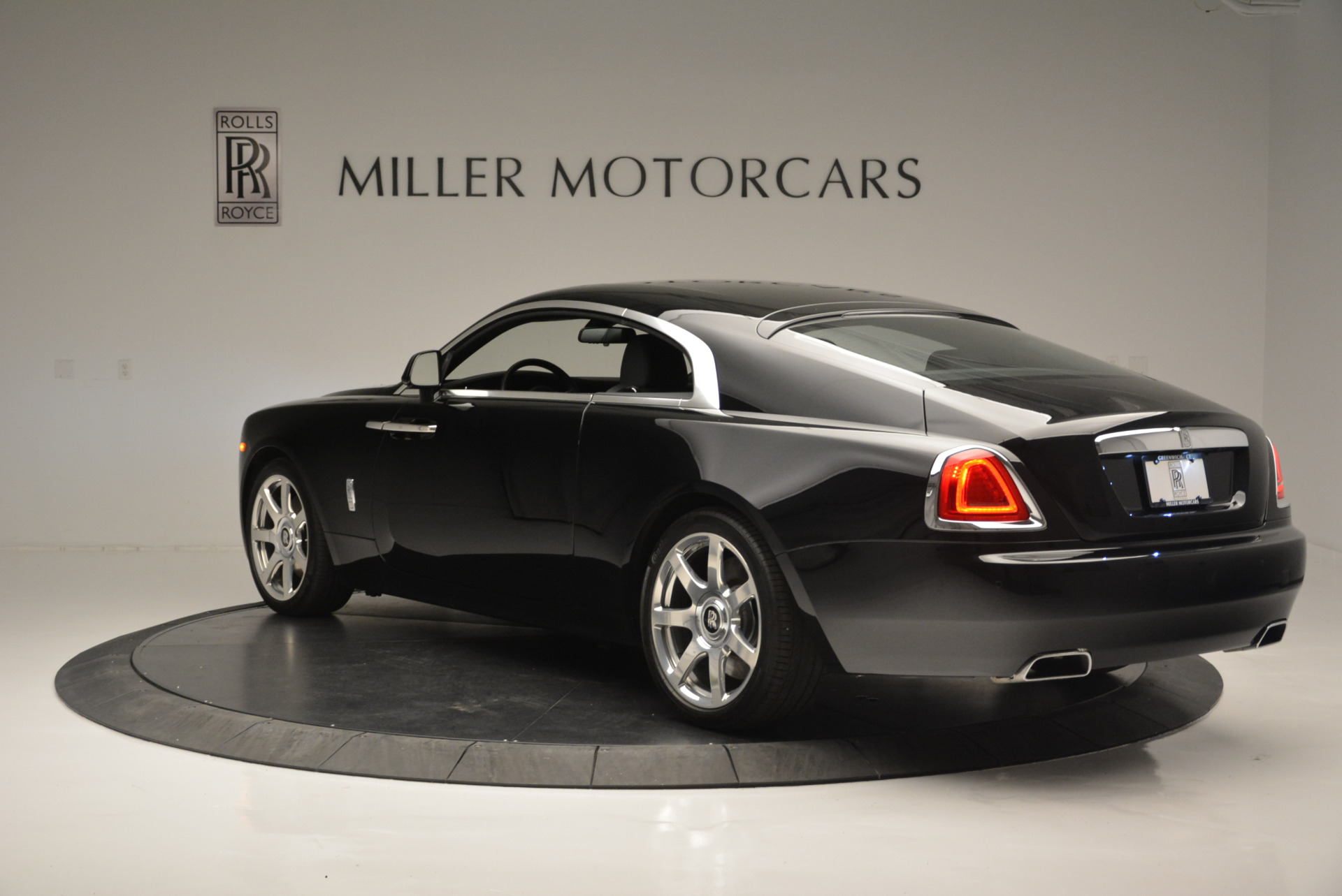 Used 2015 Rolls-Royce Wraith  For Sale In Greenwich, CT 2335_p3