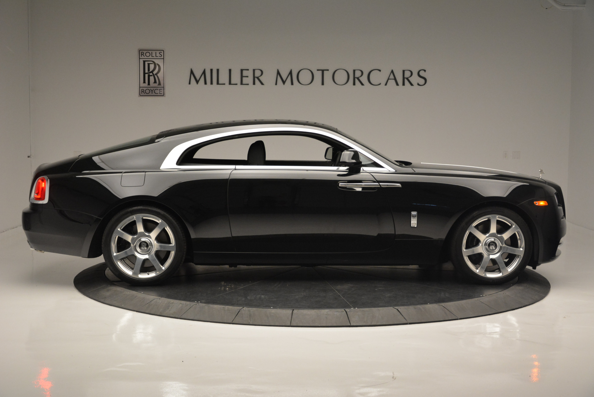 Used 2015 Rolls-Royce Wraith  For Sale In Greenwich, CT 2335_p6