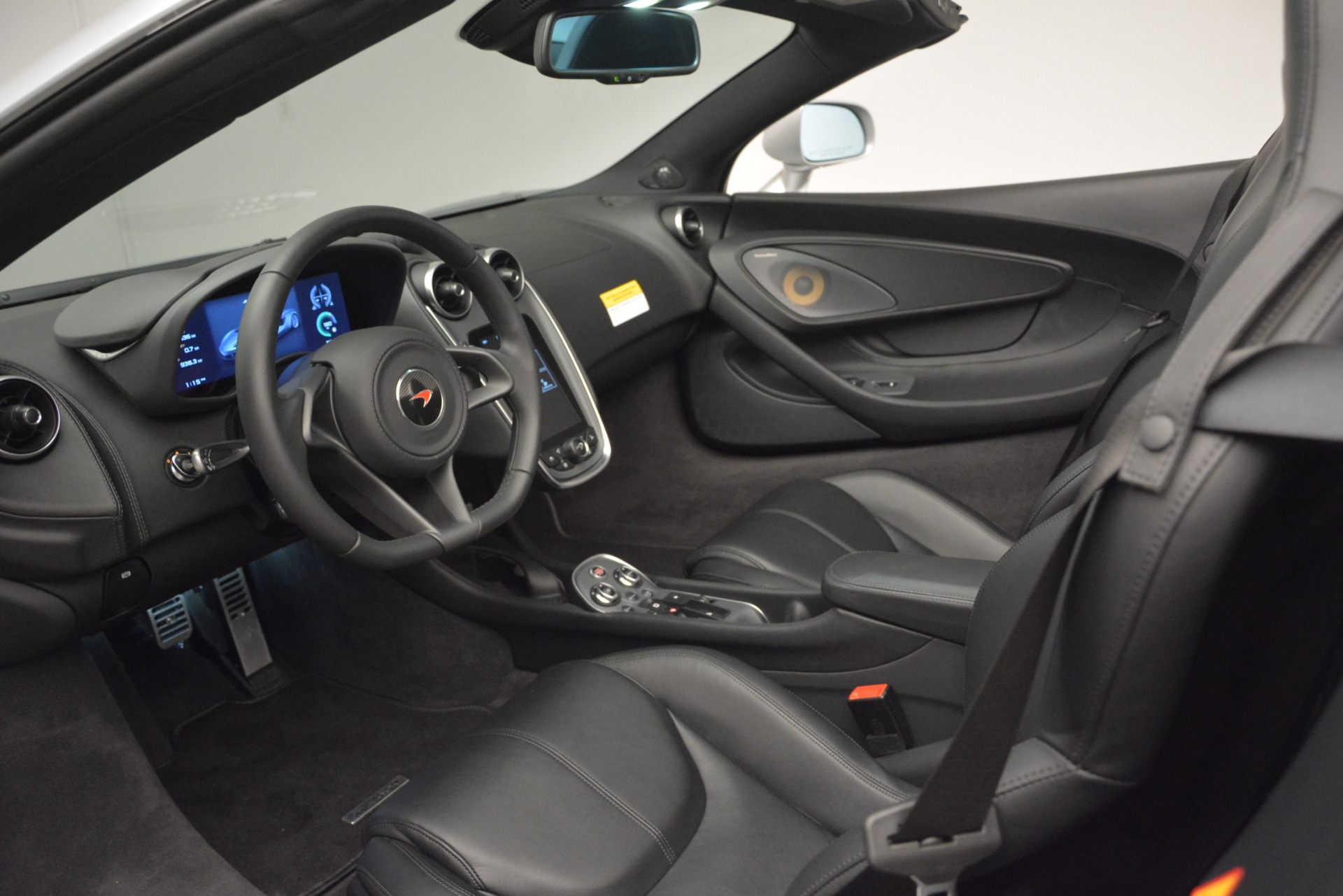 Used 2018 McLaren 570S Spider For Sale In Greenwich, CT 2340_p23
