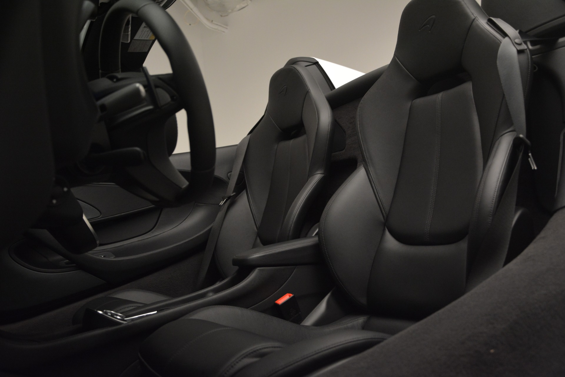 Used 2018 McLaren 570S Spider For Sale In Greenwich, CT 2340_p25