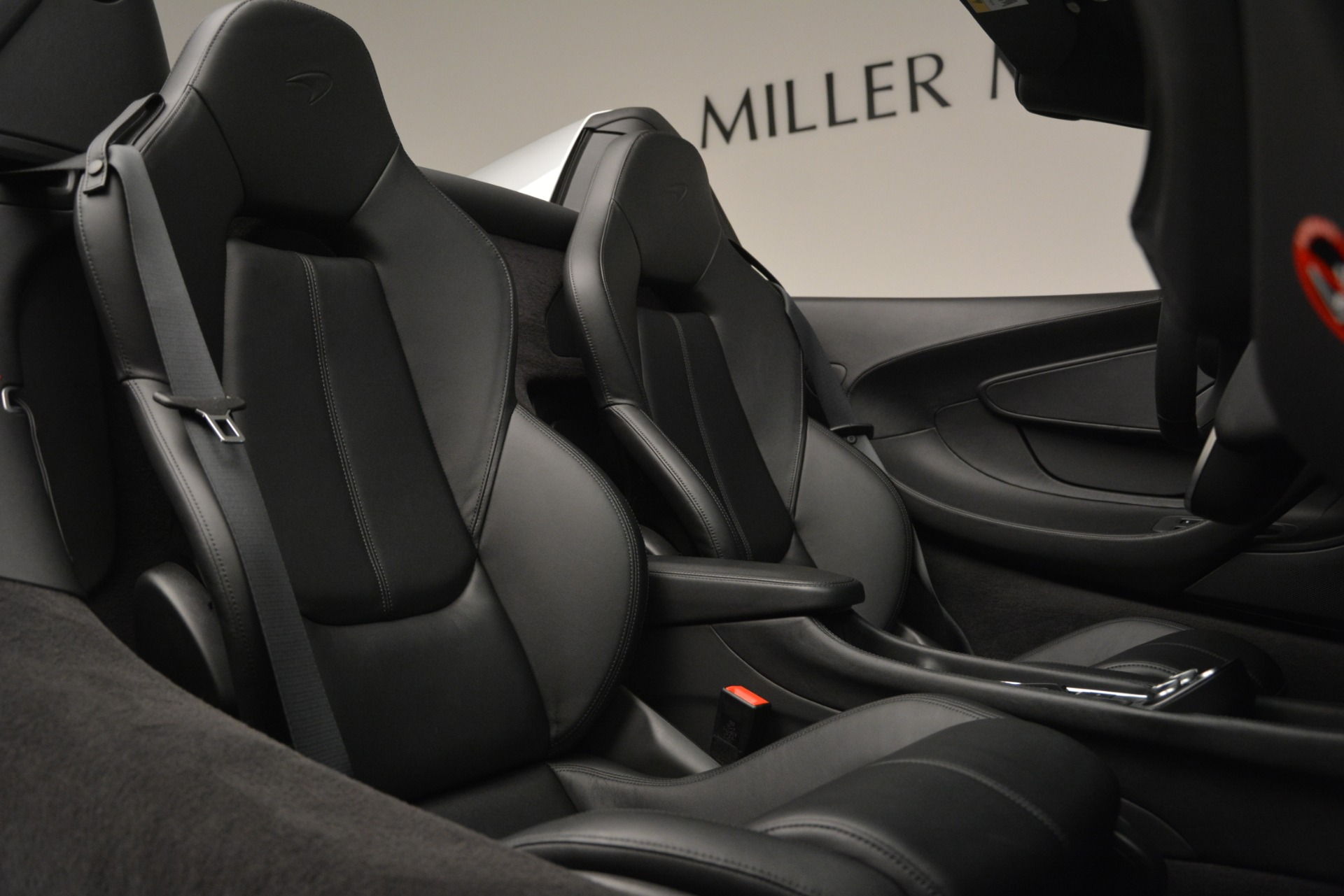 Used 2018 McLaren 570S Spider For Sale In Greenwich, CT 2340_p28