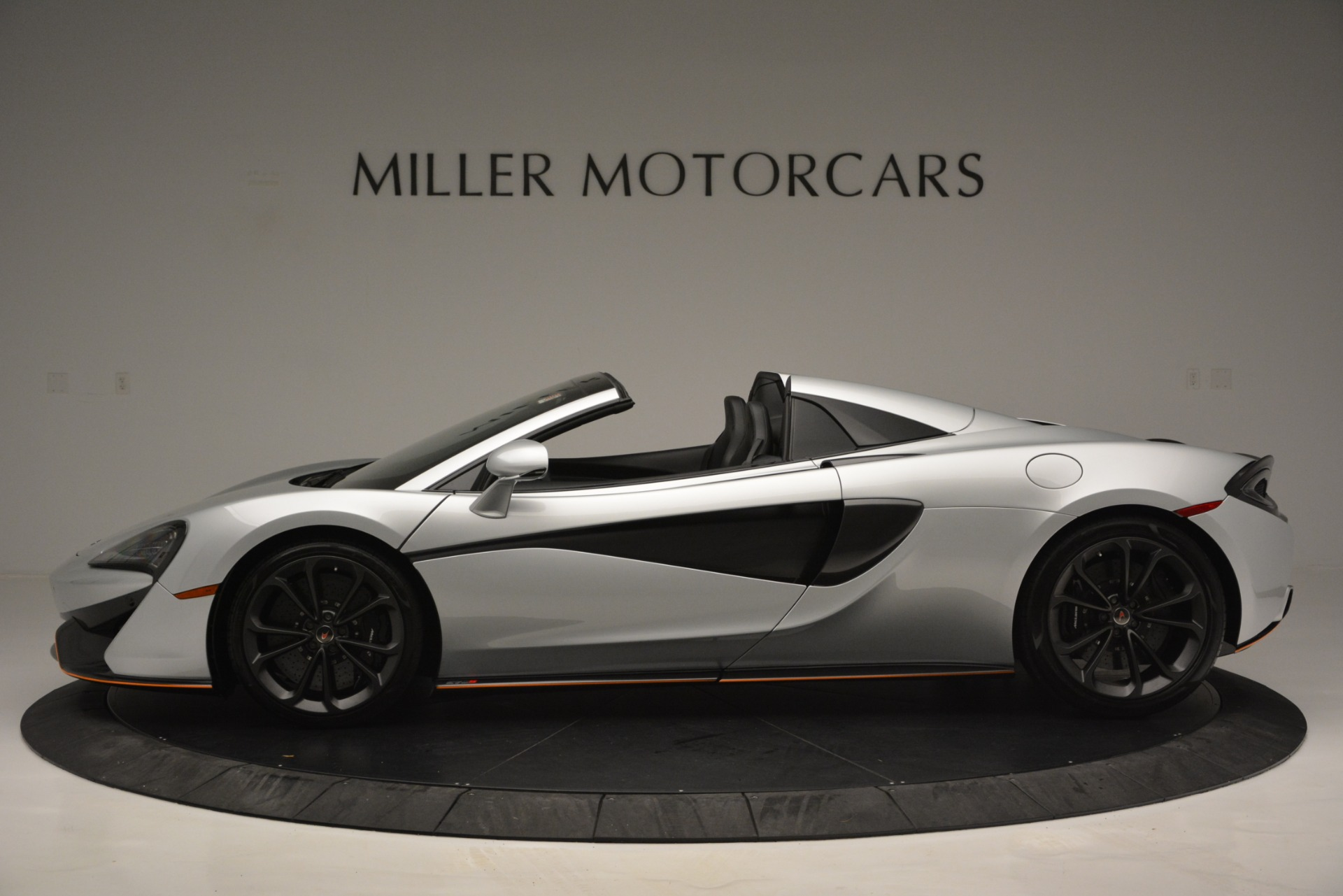 Used 2018 McLaren 570S Spider For Sale In Greenwich, CT 2340_p3