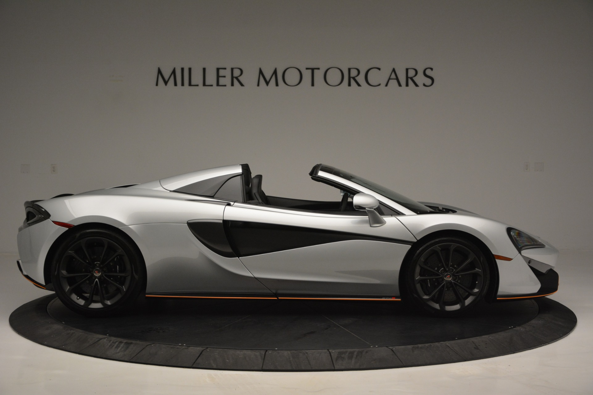 Used 2018 McLaren 570S Spider For Sale In Greenwich, CT 2340_p9
