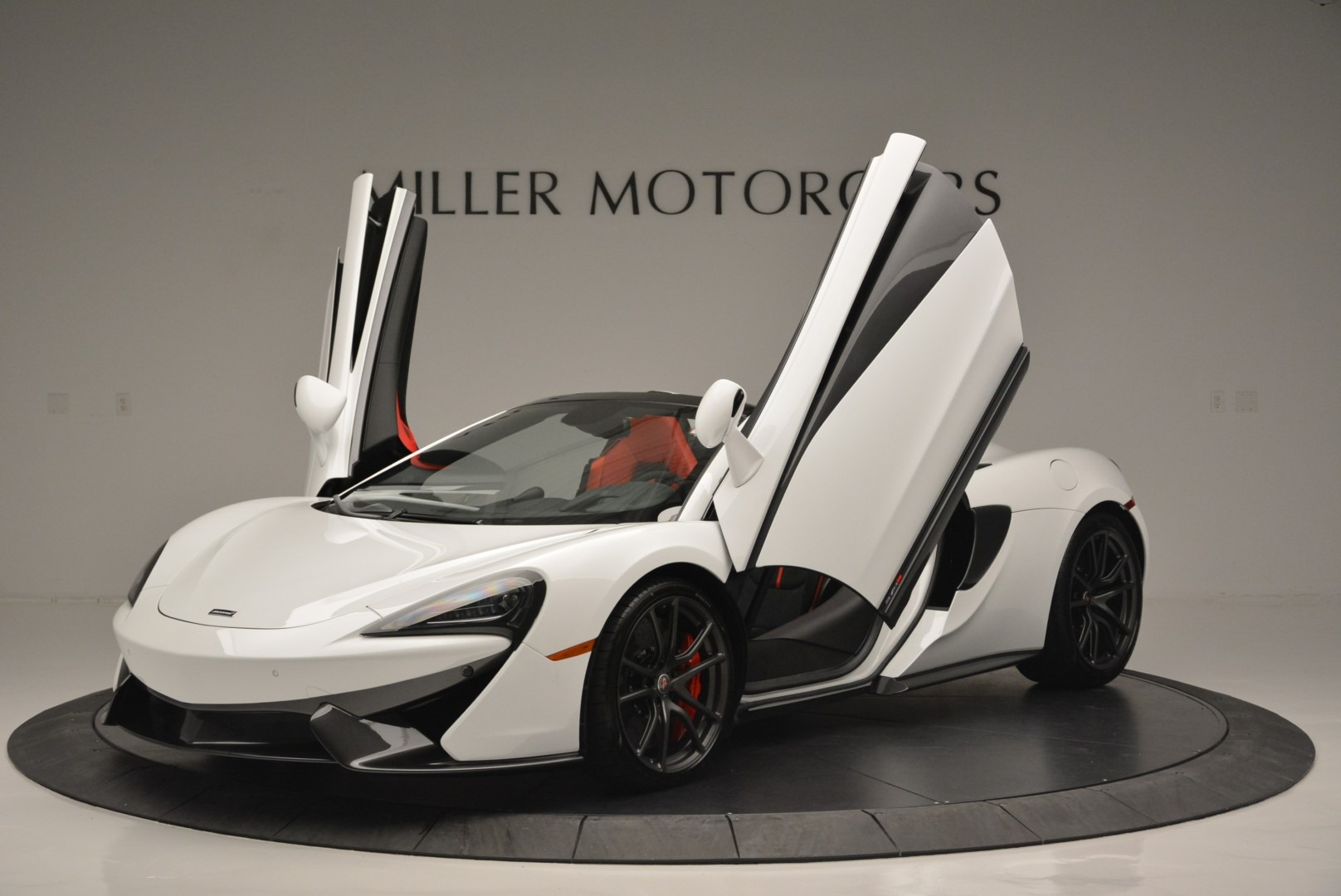 Used 2018 McLaren 570S Spider For Sale In Greenwich, CT 2341_p13