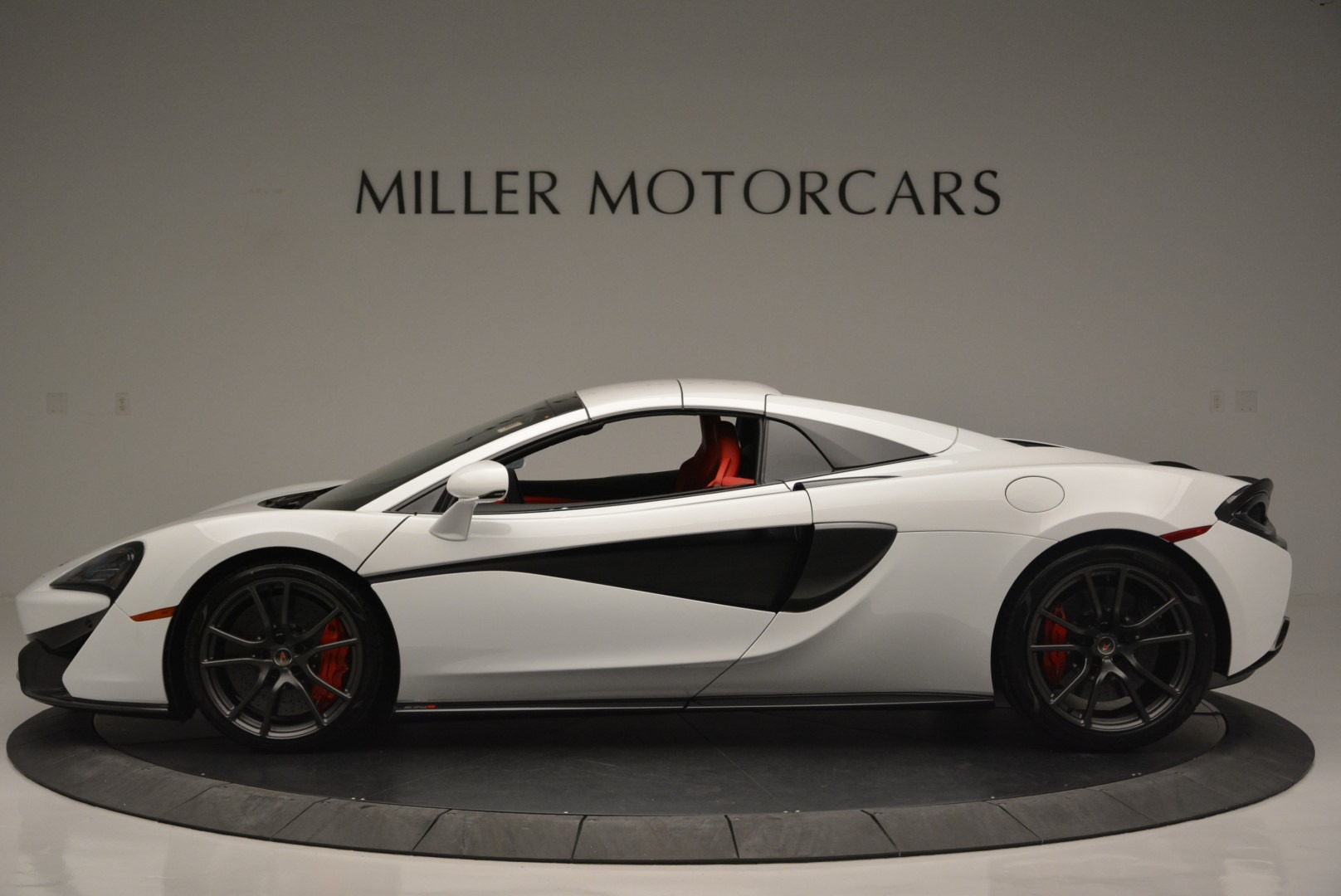 Used 2018 McLaren 570S Spider For Sale In Greenwich, CT 2341_p15
