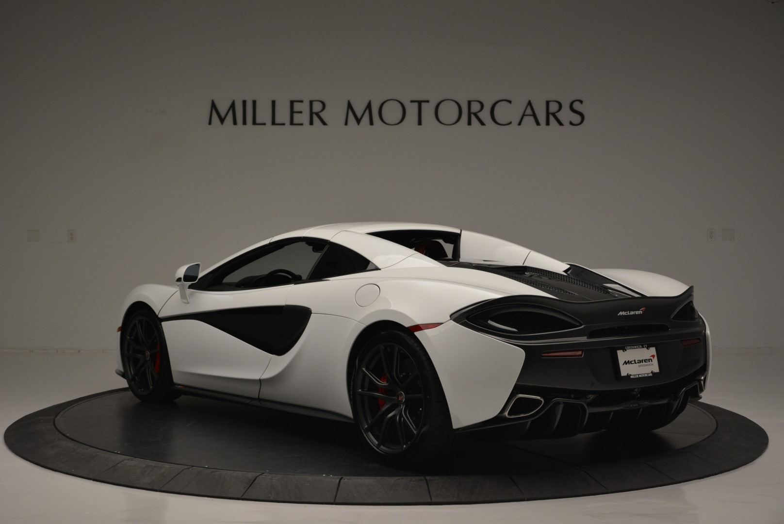 Used 2018 McLaren 570S Spider For Sale In Greenwich, CT 2341_p16