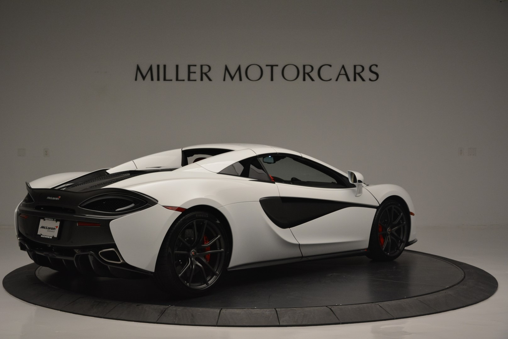 Used 2018 McLaren 570S Spider For Sale In Greenwich, CT 2341_p18