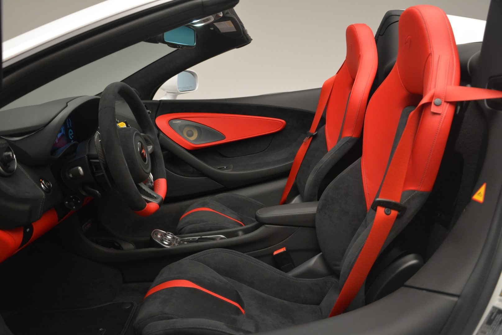 Used 2018 McLaren 570S Spider For Sale In Greenwich, CT 2341_p23