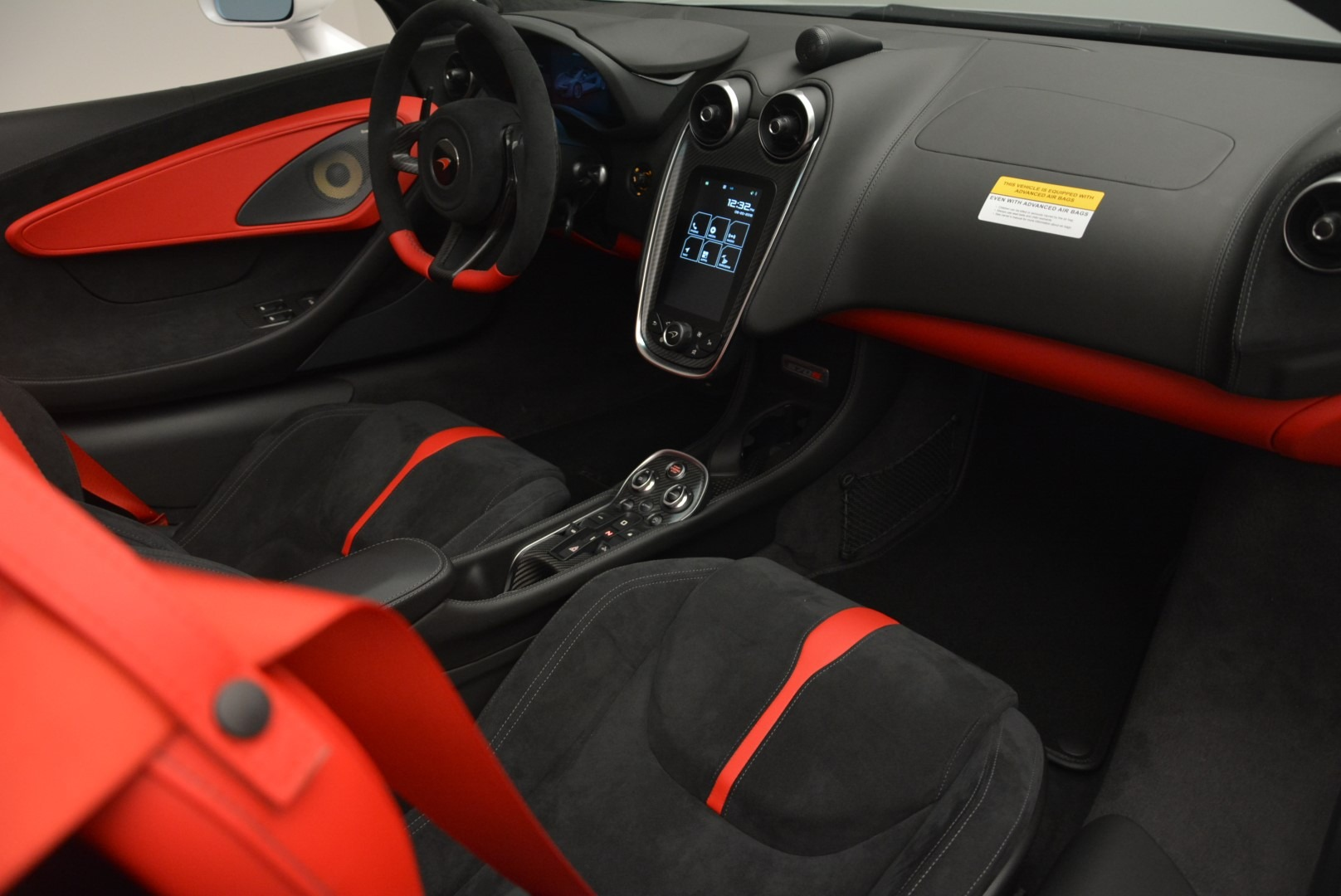 Used 2018 McLaren 570S Spider For Sale In Greenwich, CT 2341_p25