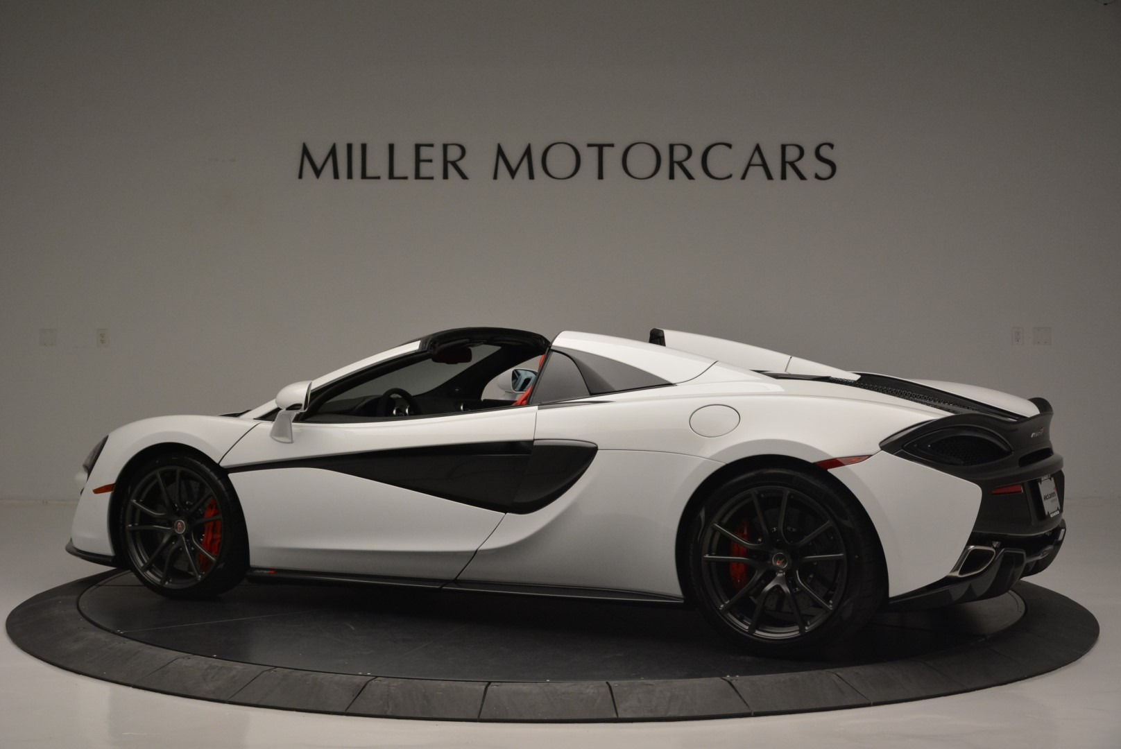 Used 2018 McLaren 570S Spider For Sale In Greenwich, CT 2341_p4