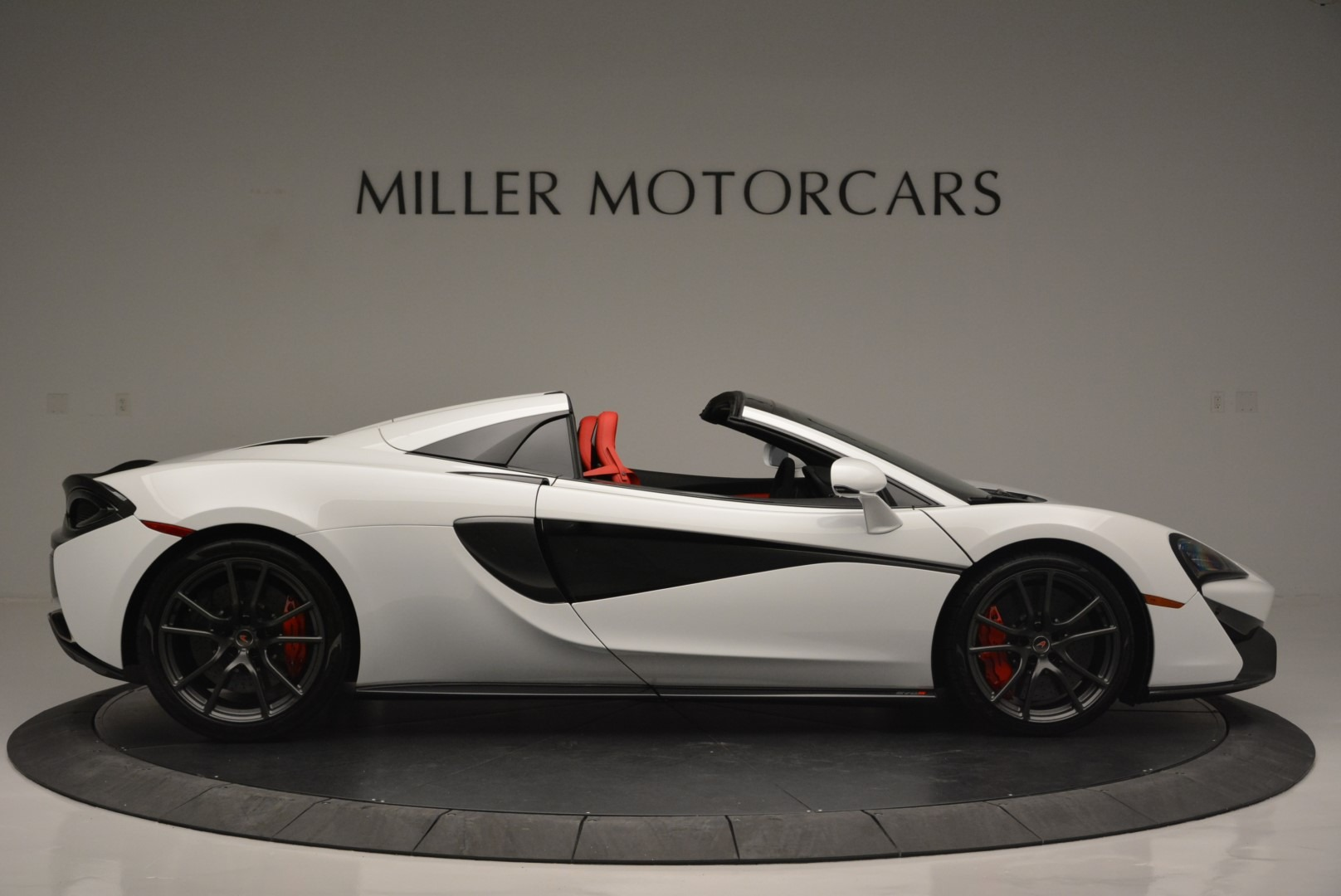 Used 2018 McLaren 570S Spider For Sale In Greenwich, CT 2341_p9