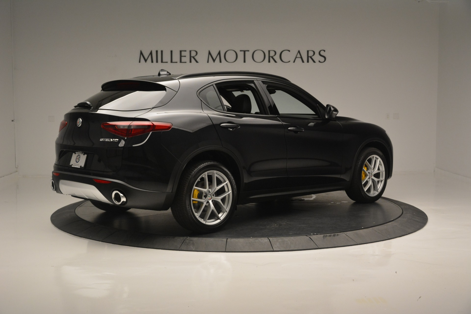 New 2018 Alfa Romeo Stelvio Ti Sport Q4 For Sale In Greenwich, CT 2352_p11