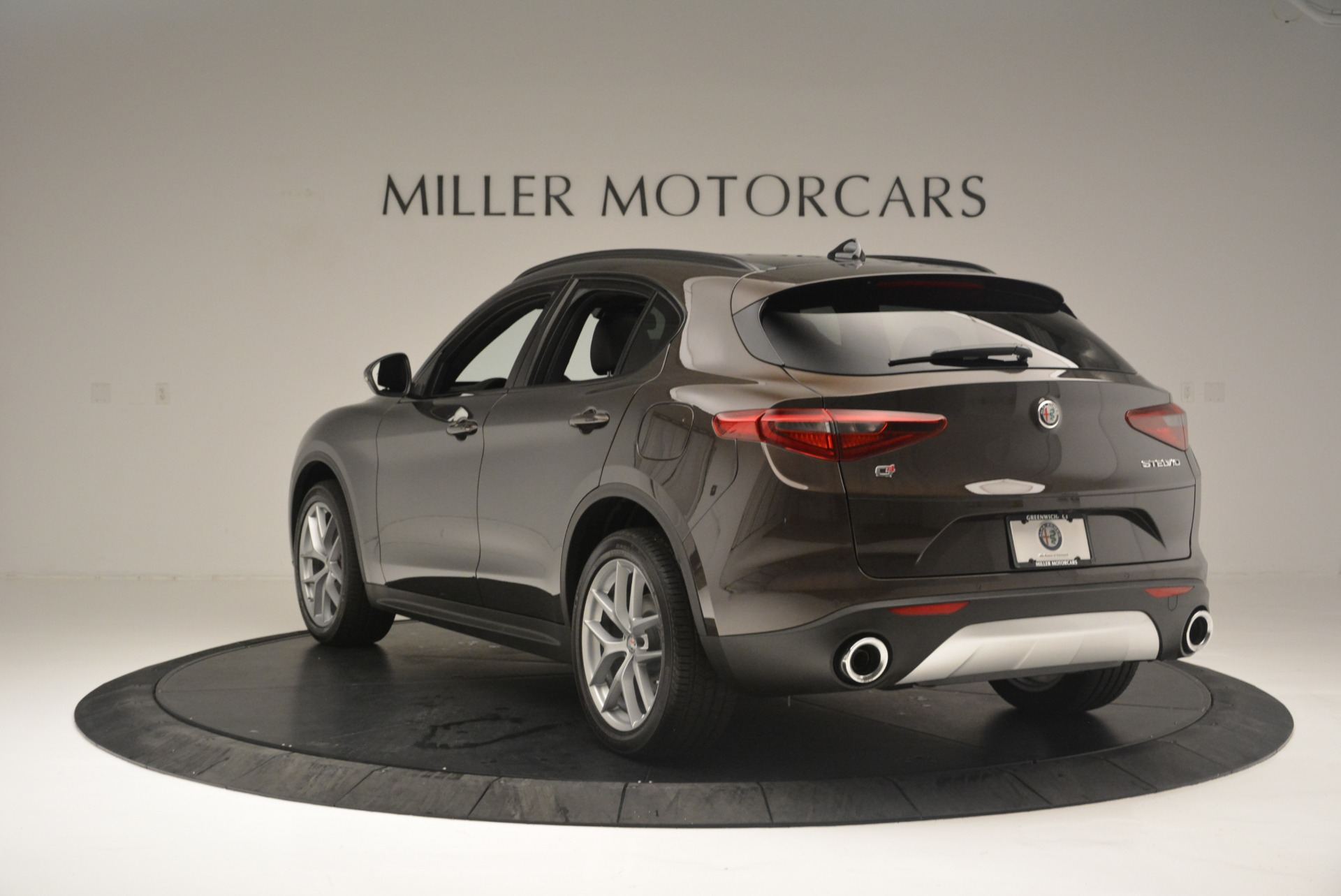 New 2018 Alfa Romeo Stelvio Ti Sport Q4 For Sale In Greenwich, CT 2354_p5