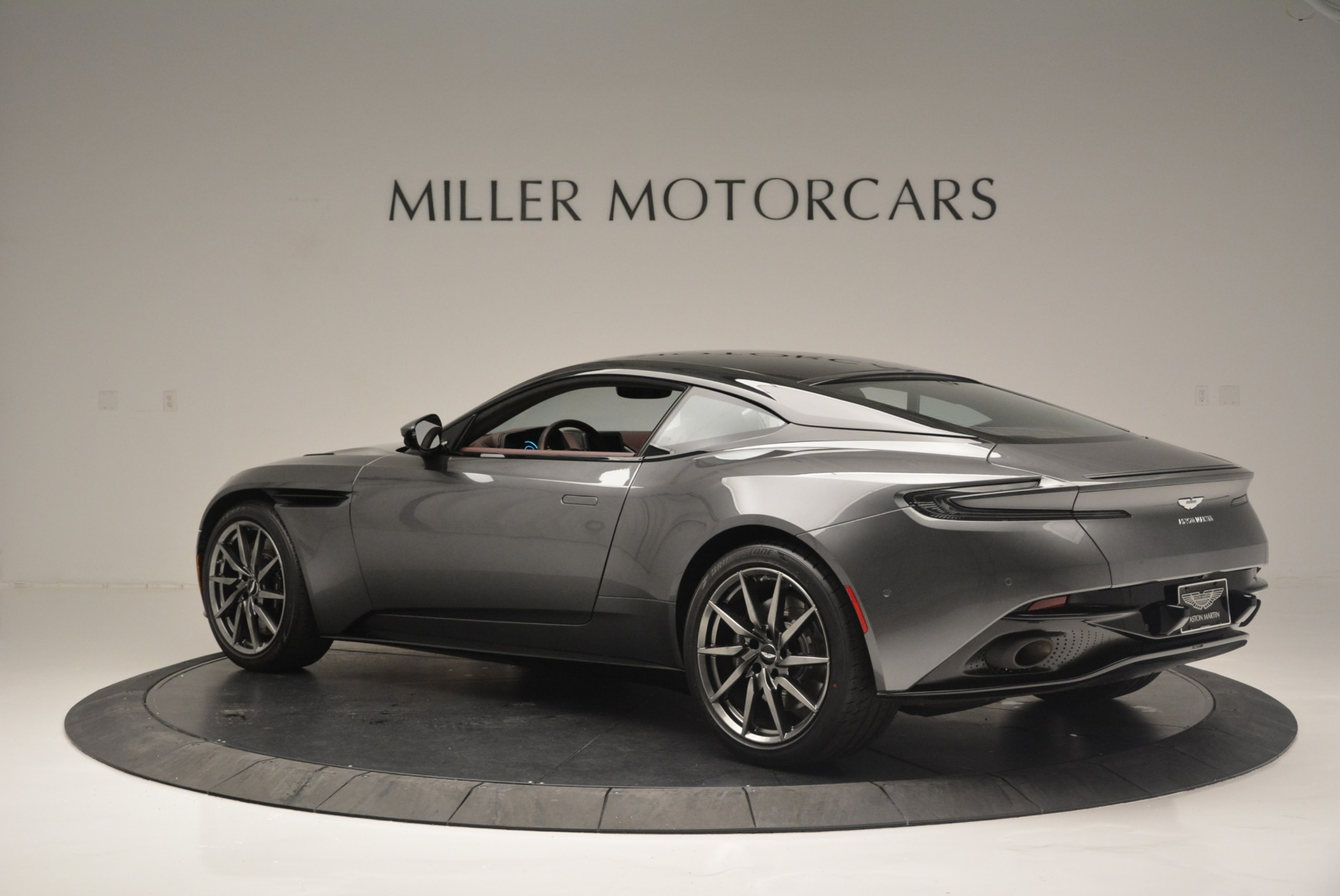 New 2018 Aston Martin DB11 V12 Coupe For Sale In Greenwich, CT 2364_p4