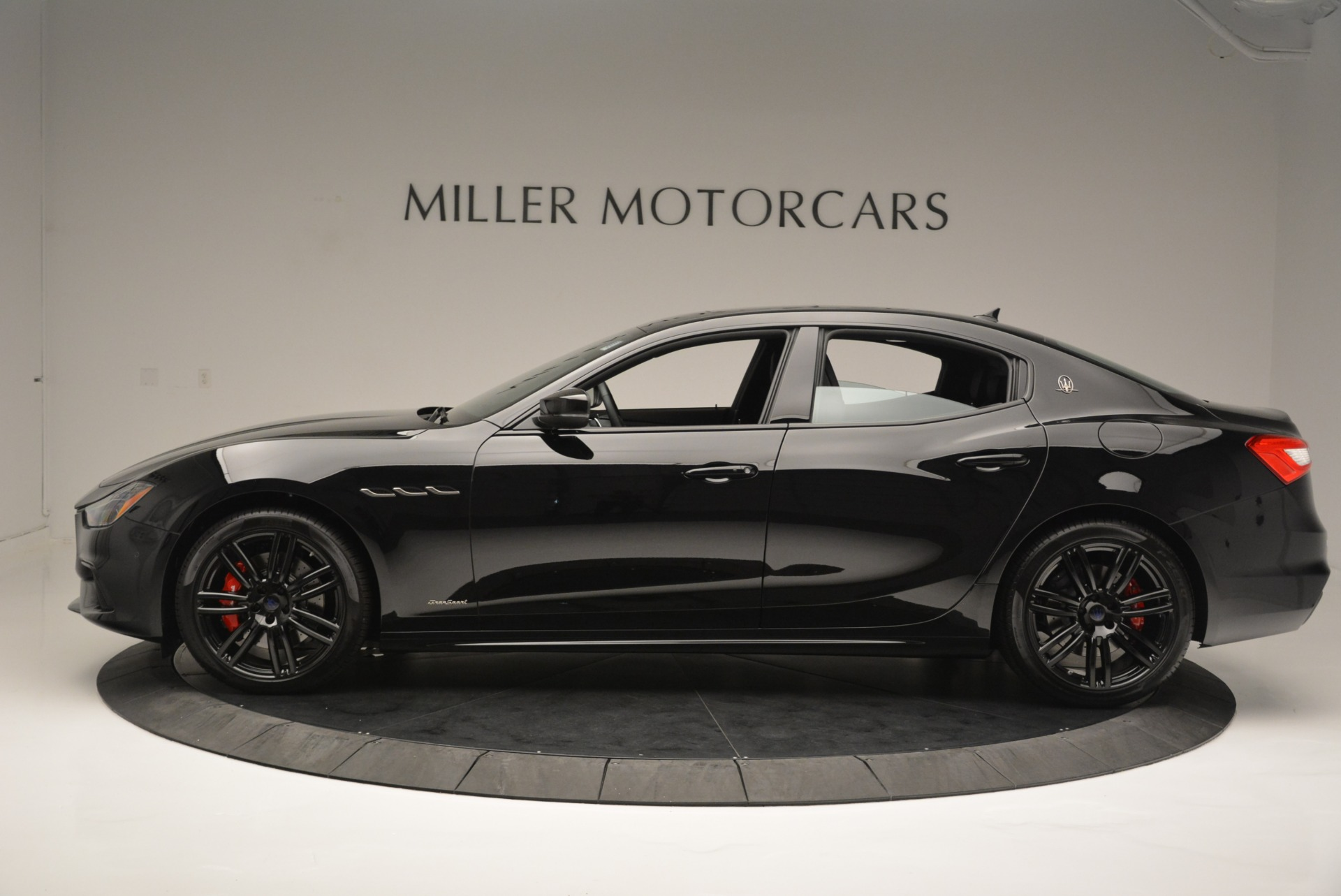 New 2018 Maserati Ghibli SQ4 GranSport Nerissimo For Sale In Greenwich, CT 2366_p3