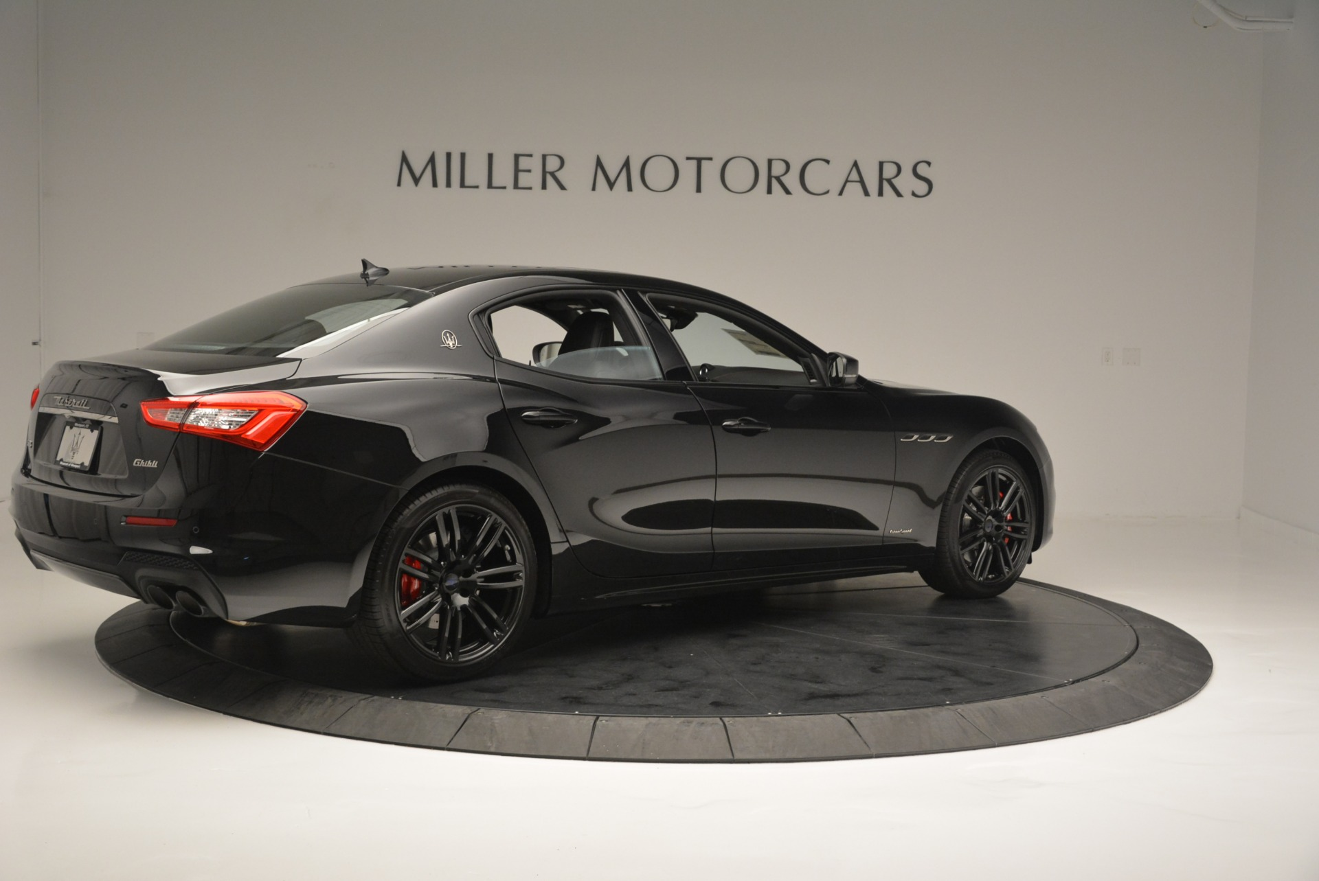 New 2018 Maserati Ghibli SQ4 GranSport Nerissimo For Sale In Greenwich, CT 2368_p8