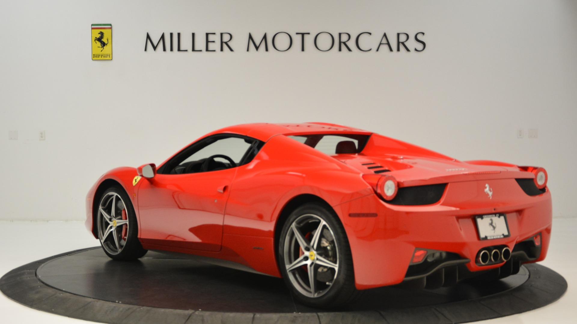 Used 2015 Ferrari 458 Spider  For Sale In Greenwich, CT 2369_p18