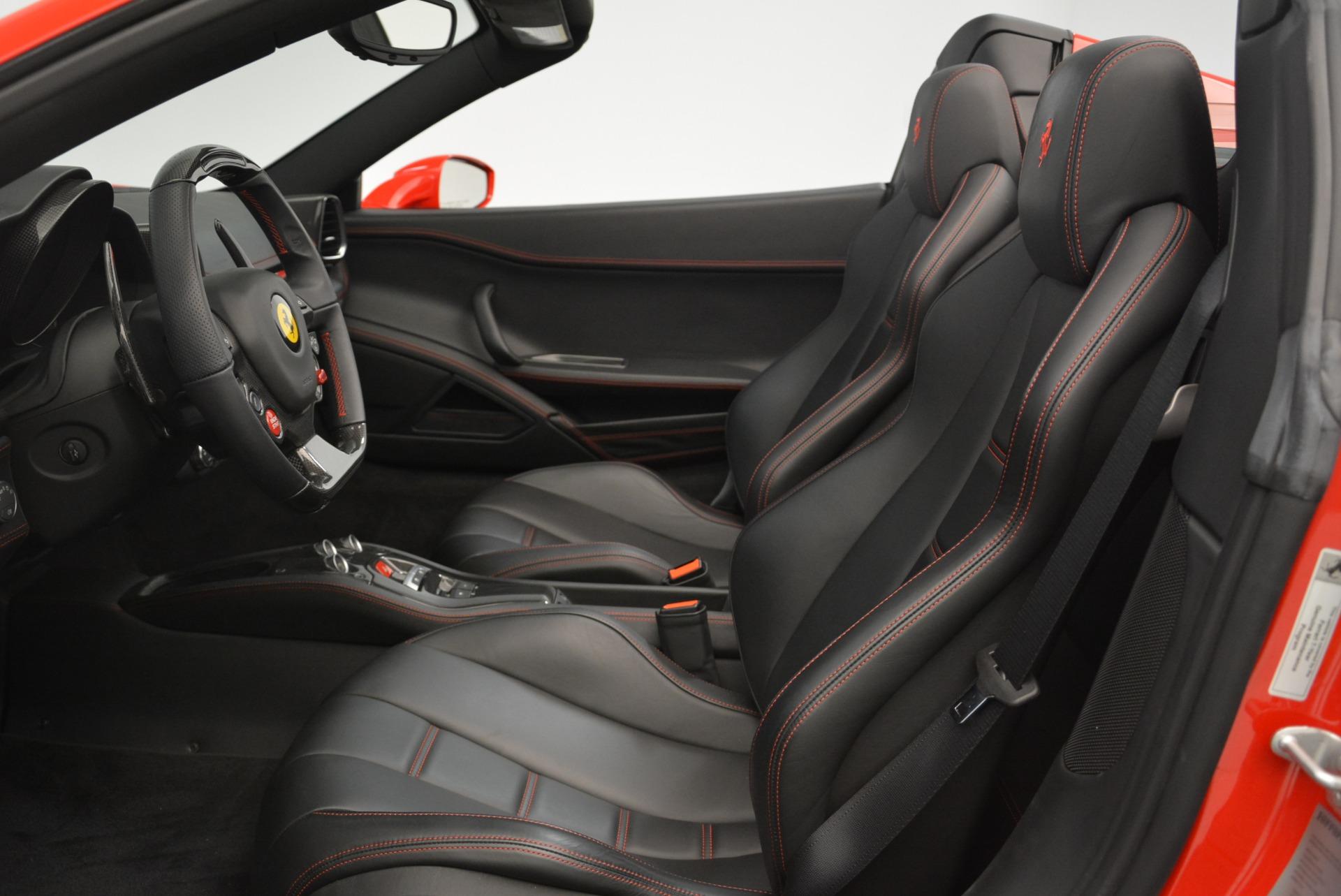 Used 2015 Ferrari 458 Spider  For Sale In Greenwich, CT 2369_p27