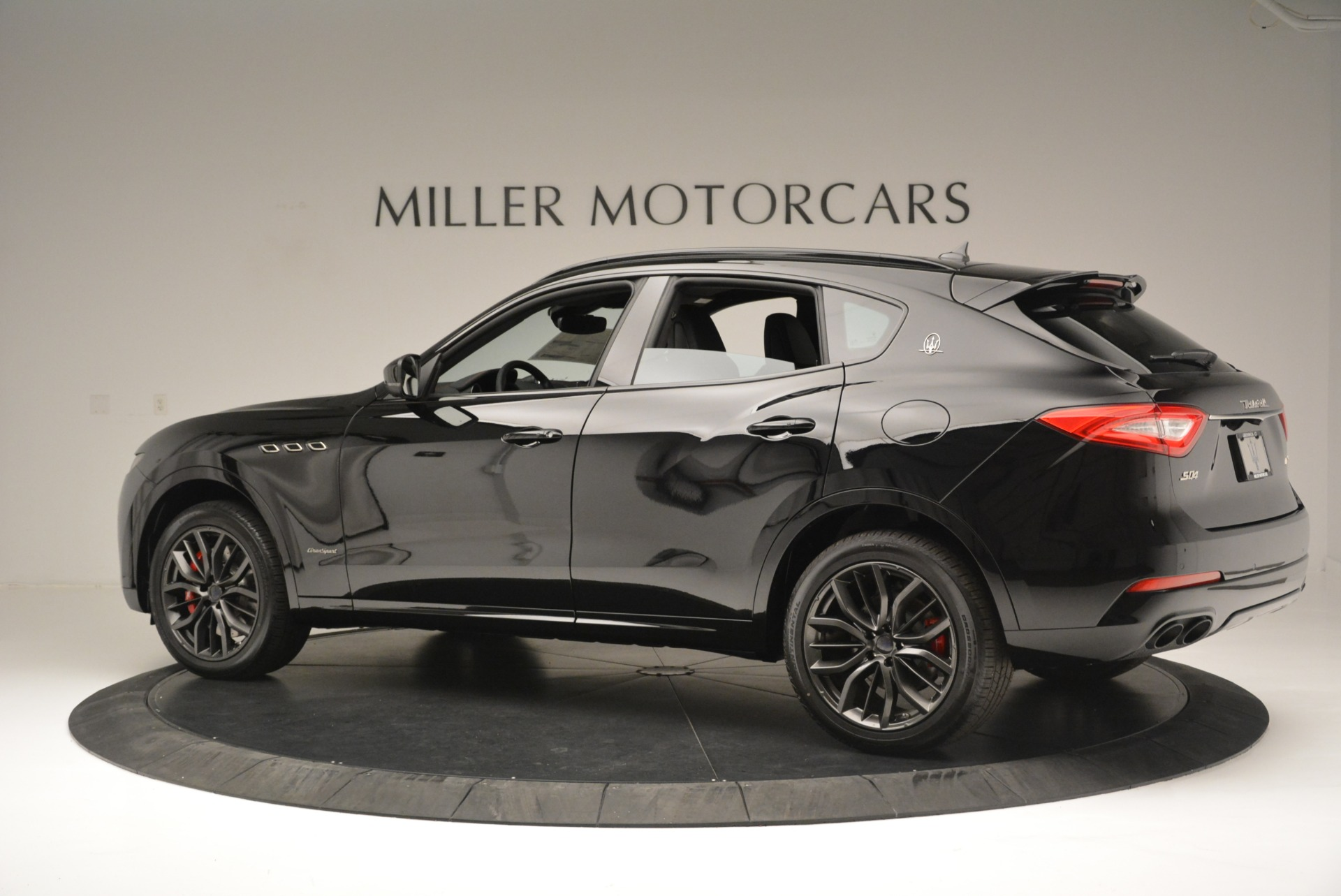New 2018 Maserati Levante S Q4 GranSport Nerissimo For Sale In Greenwich, CT 2370_p4