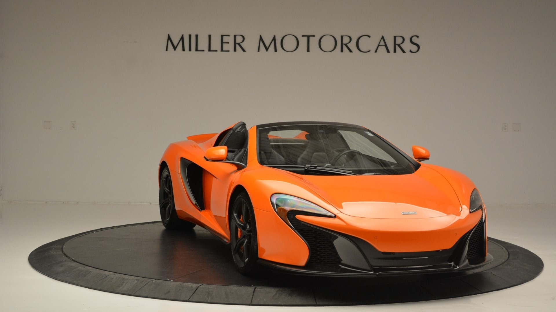 Used 2015 McLaren 650S Spider Convertible For Sale In Greenwich, CT 2375_p11
