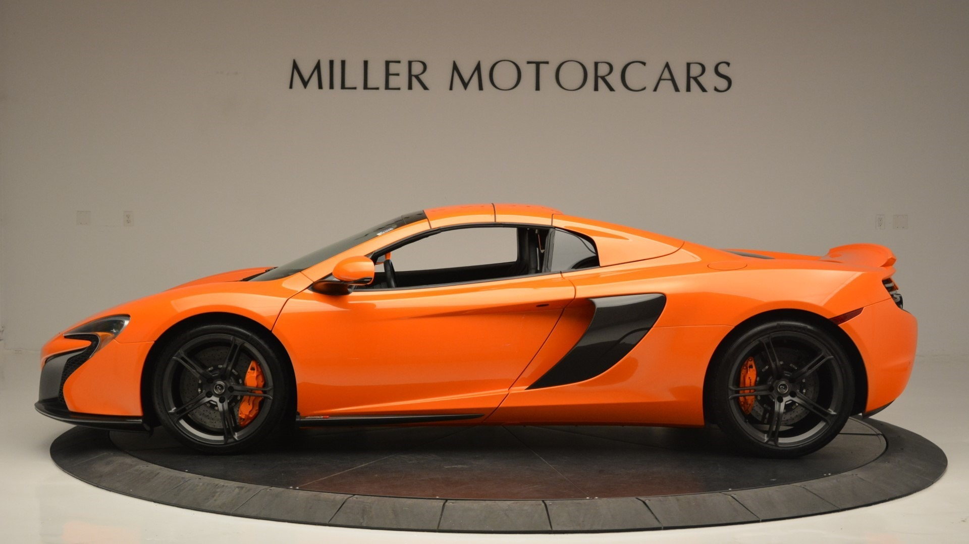 Used 2015 McLaren 650S Spider Convertible For Sale In Greenwich, CT 2375_p16