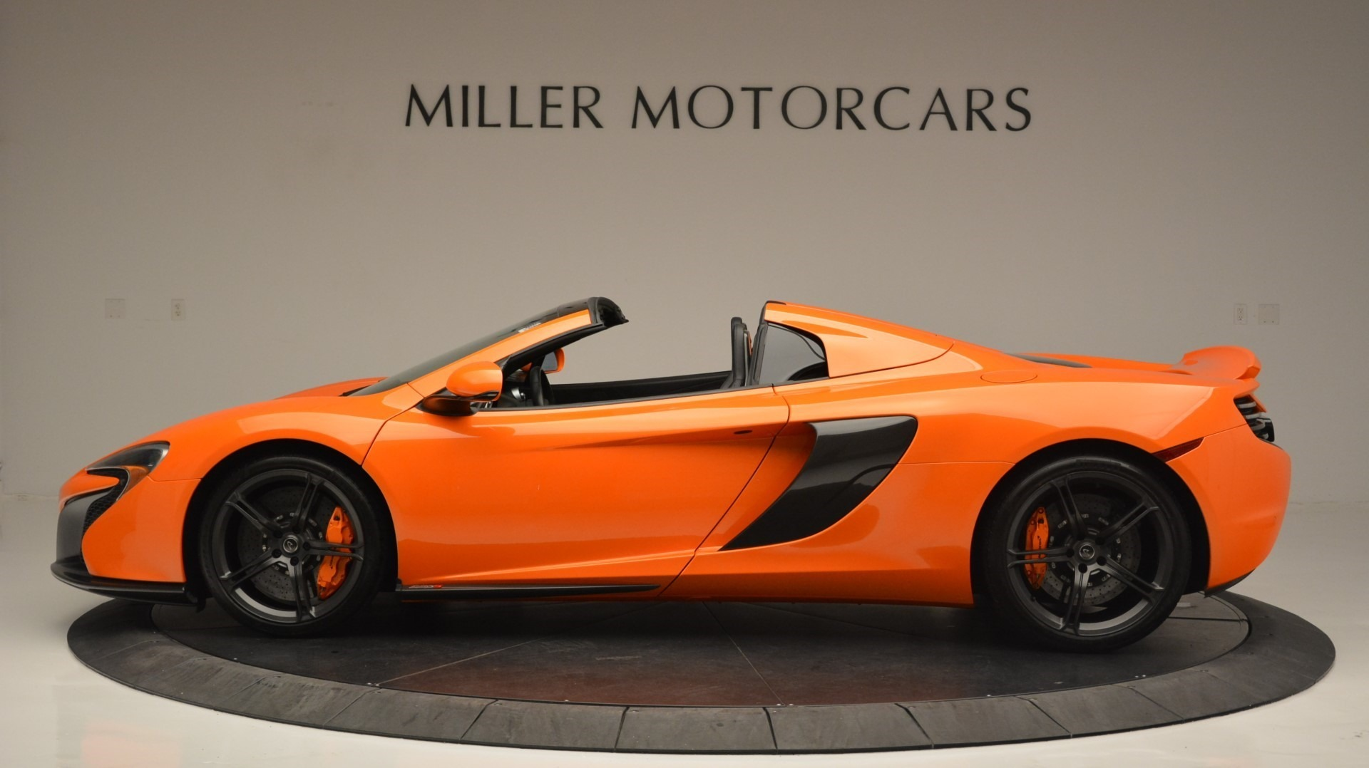 Used 2015 McLaren 650S Spider Convertible For Sale In Greenwich, CT 2375_p3
